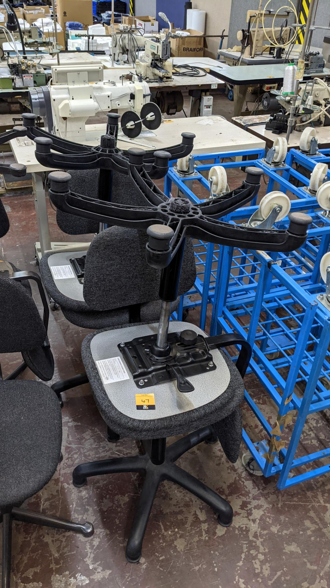 4 off matching machinists chairs - Image 2 of 7