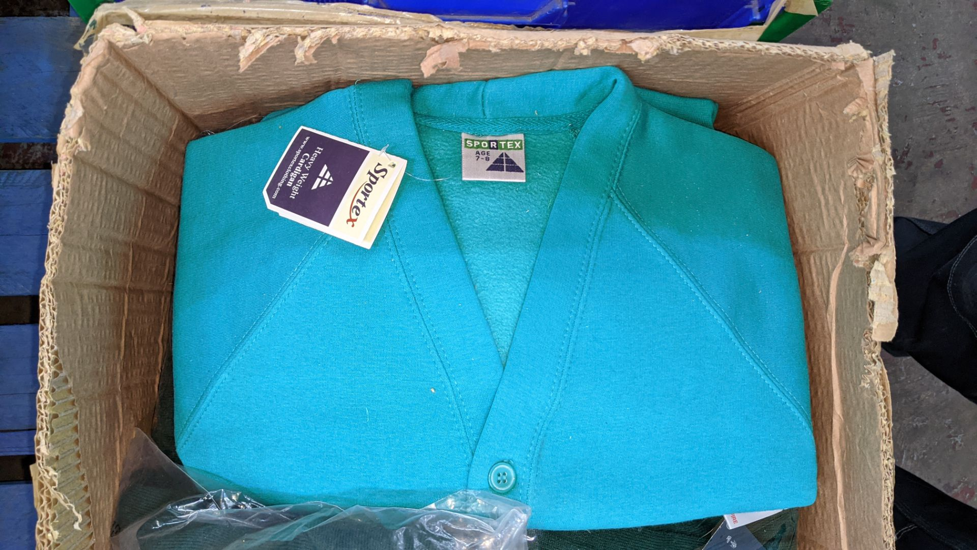 Approx 18 off Rowlinson children's green button up sweat tops - 1 large box - Image 4 of 6