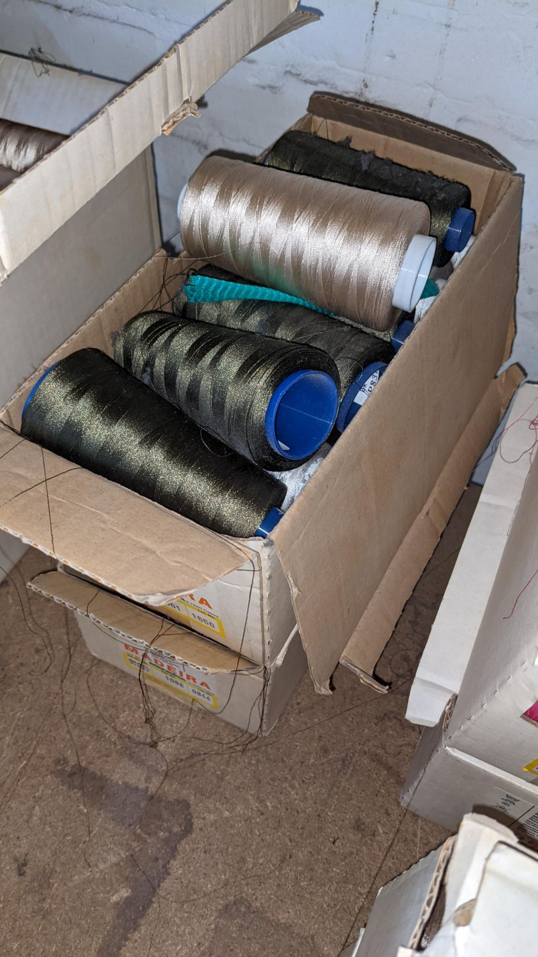 8 boxes of Madeira Burmit No. 40 rayon embroidery thread - Image 8 of 9