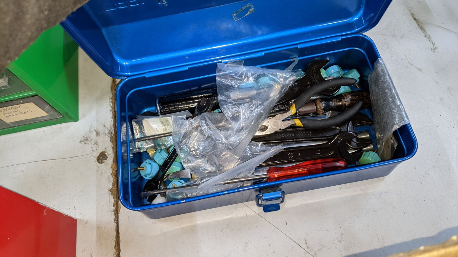 3 blue tool kits & their contents - Image 2 of 5