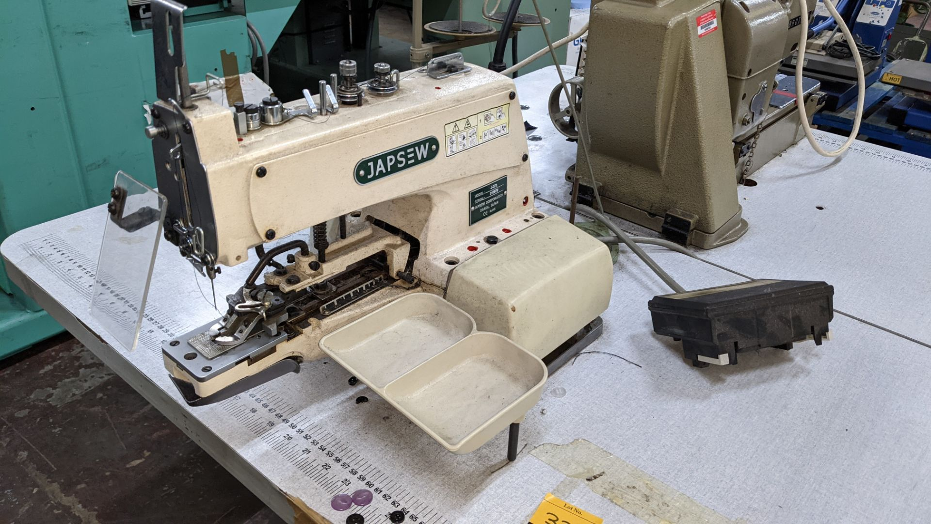 Japsew model J-373 button sewer - Image 5 of 15