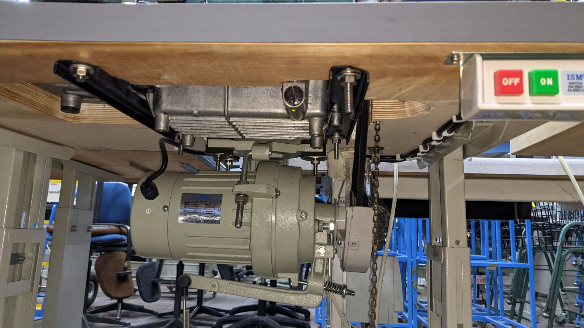 Sewing machine - Image 13 of 16