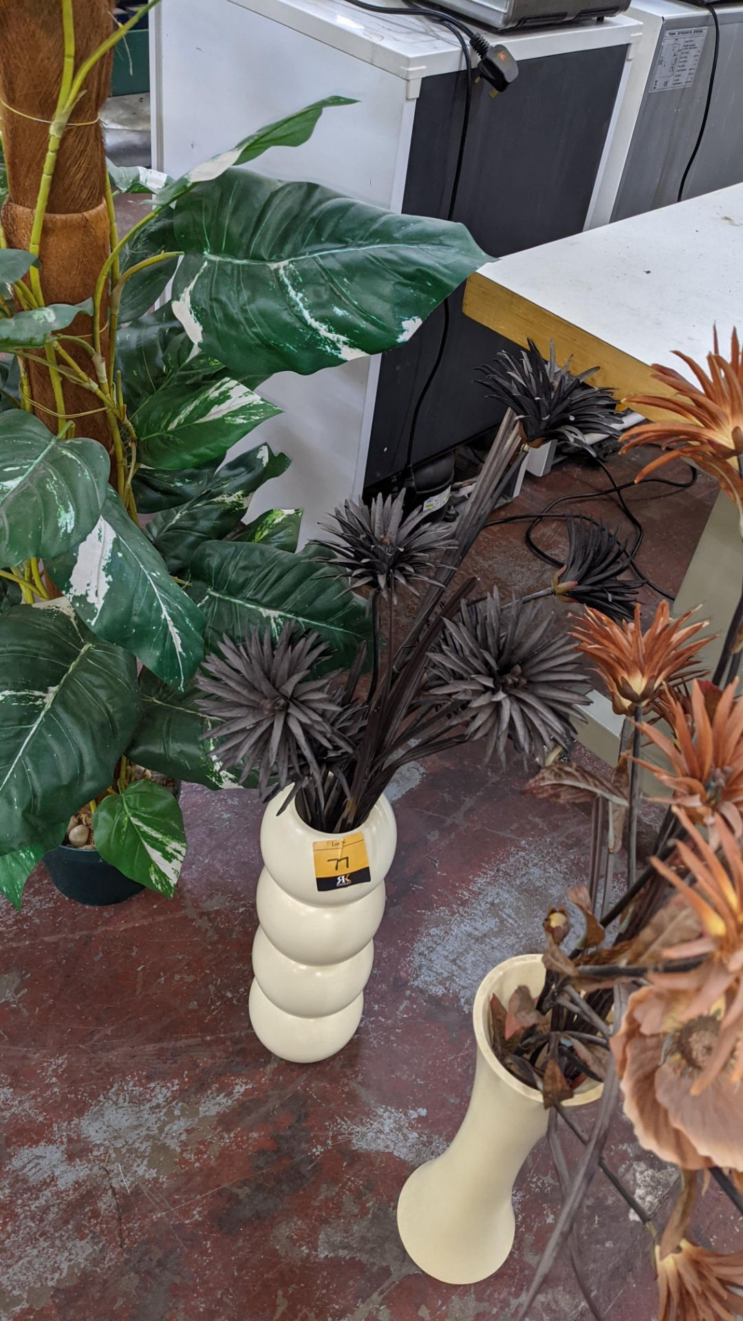 4 off artificial plant displays each including a pot - Image 4 of 8