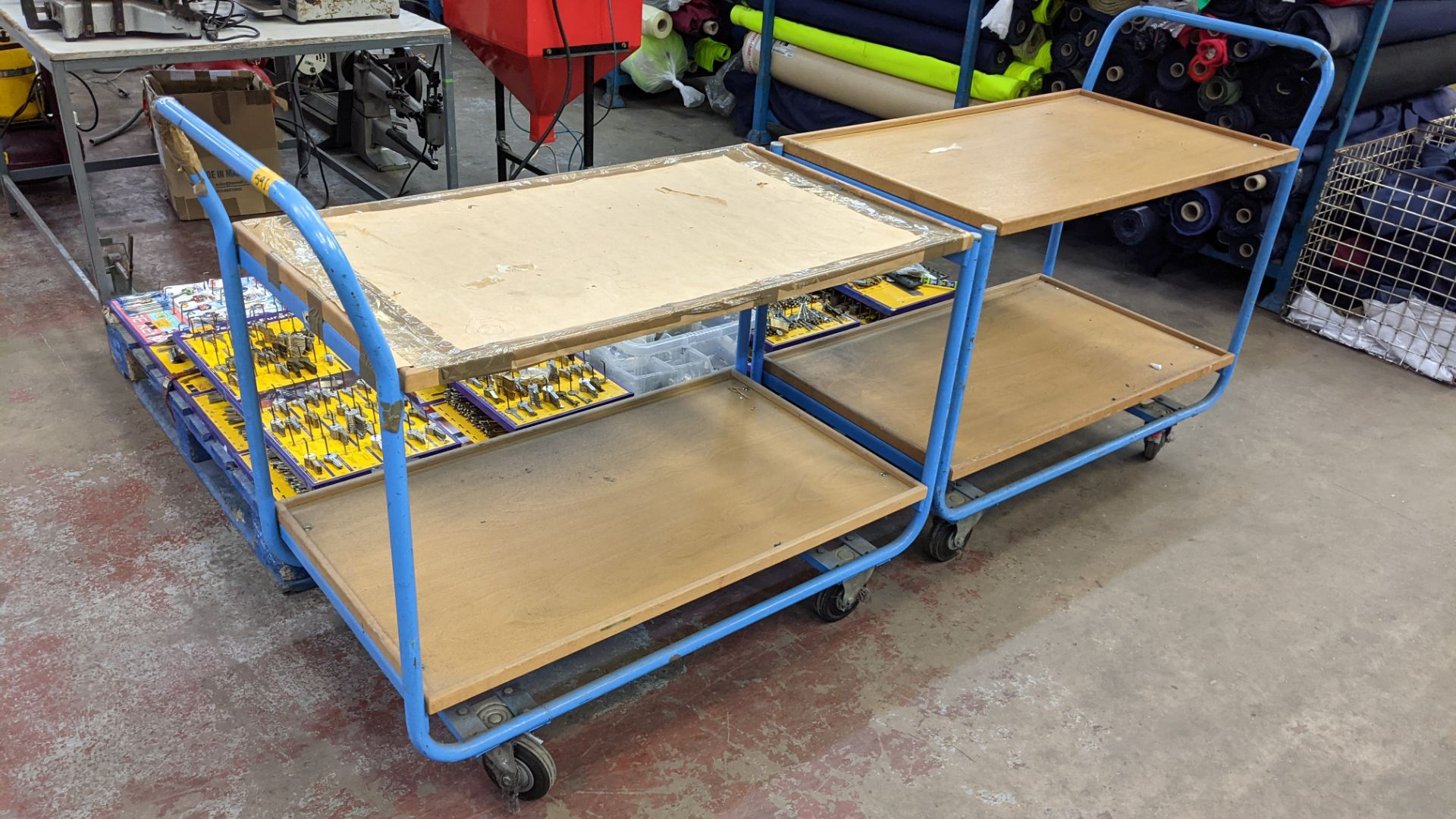 2 mobile twin shelf trolleys with lockable wheels - Image 6 of 7