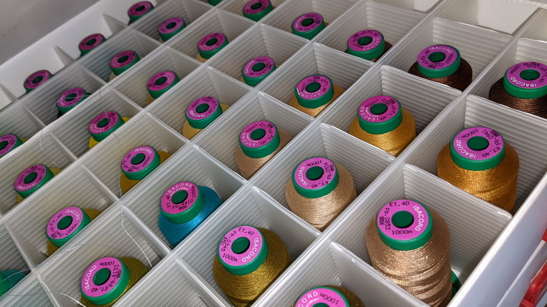 5 large cases of Ackermann Isacord thread - Image 7 of 13