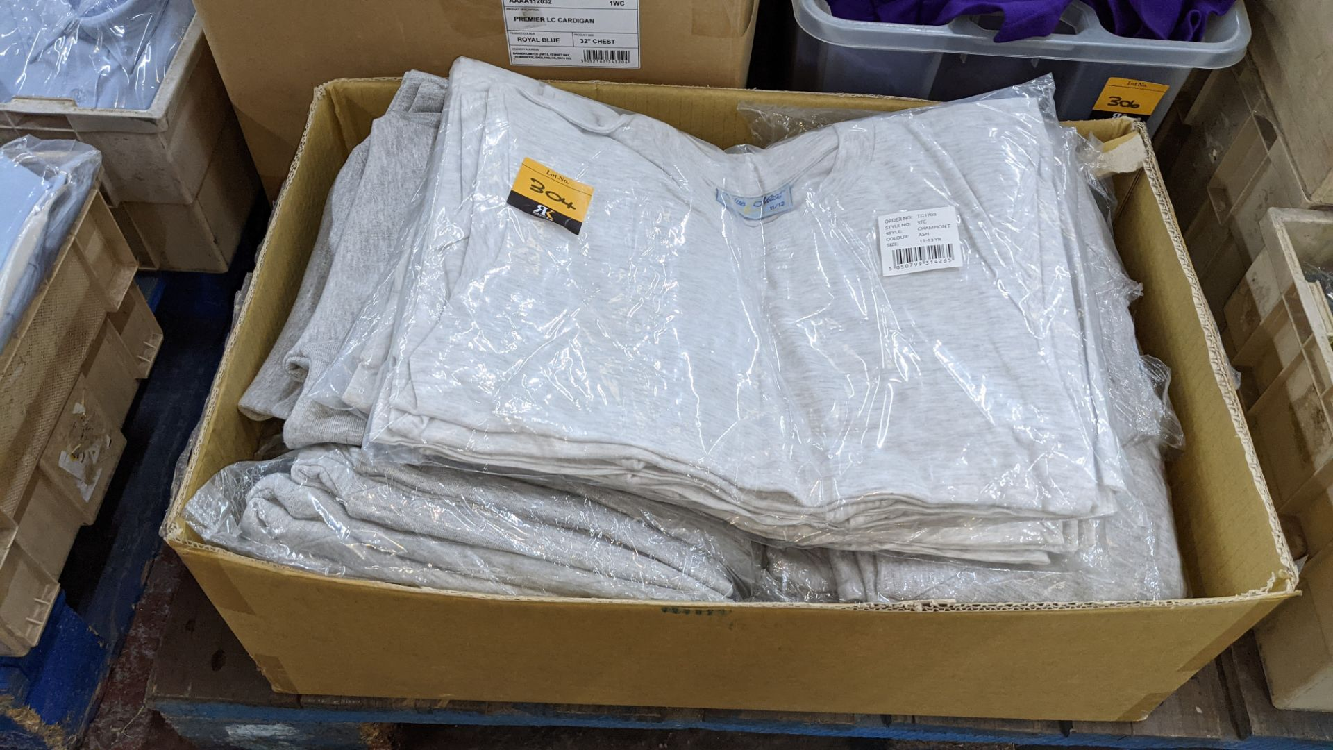Mixed quantity of children's jumpers & t-shirts - 1 box