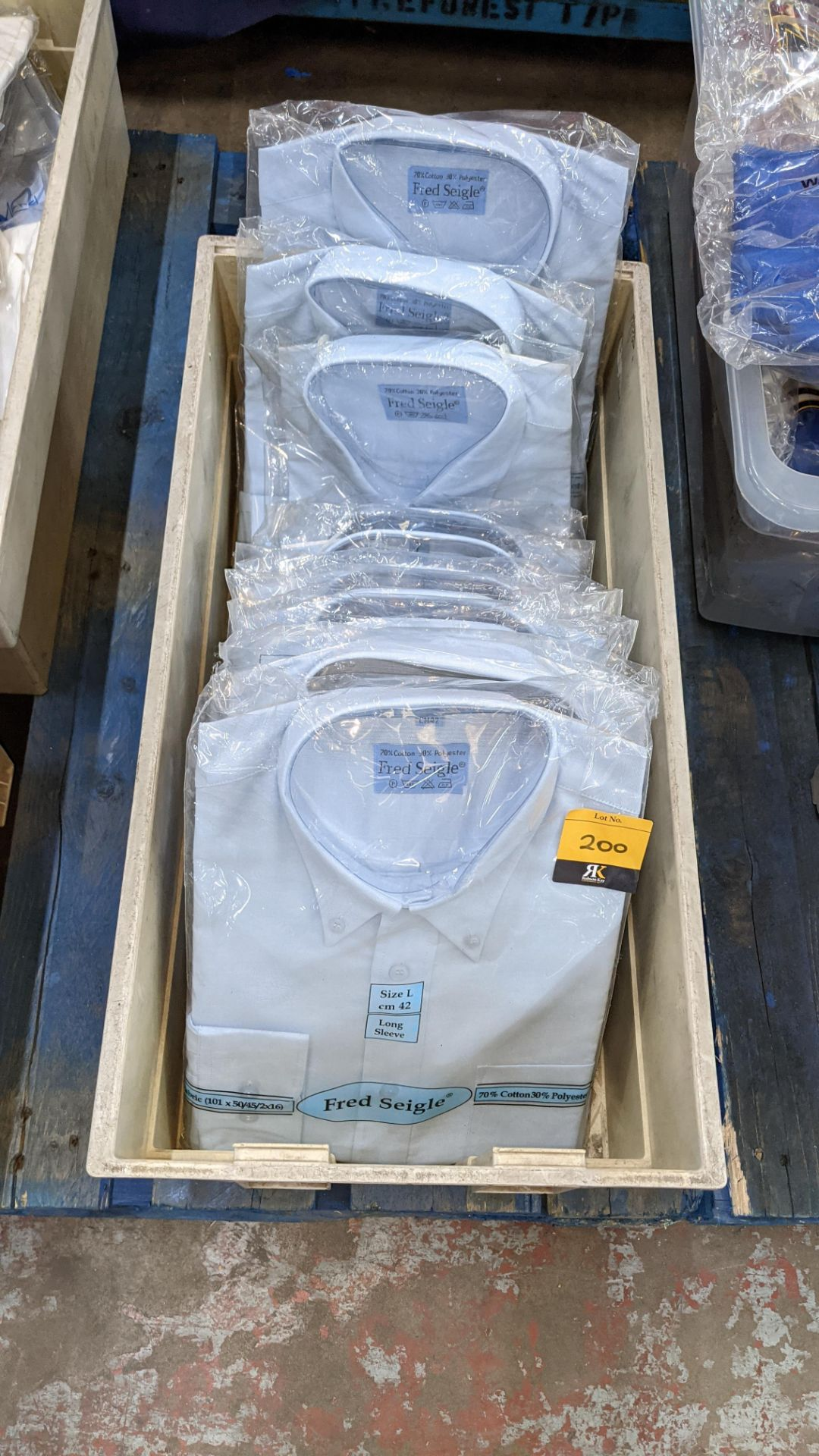 Approx 10 off Fred Seigle blue long sleeve button down collar shirts - Image 2 of 3