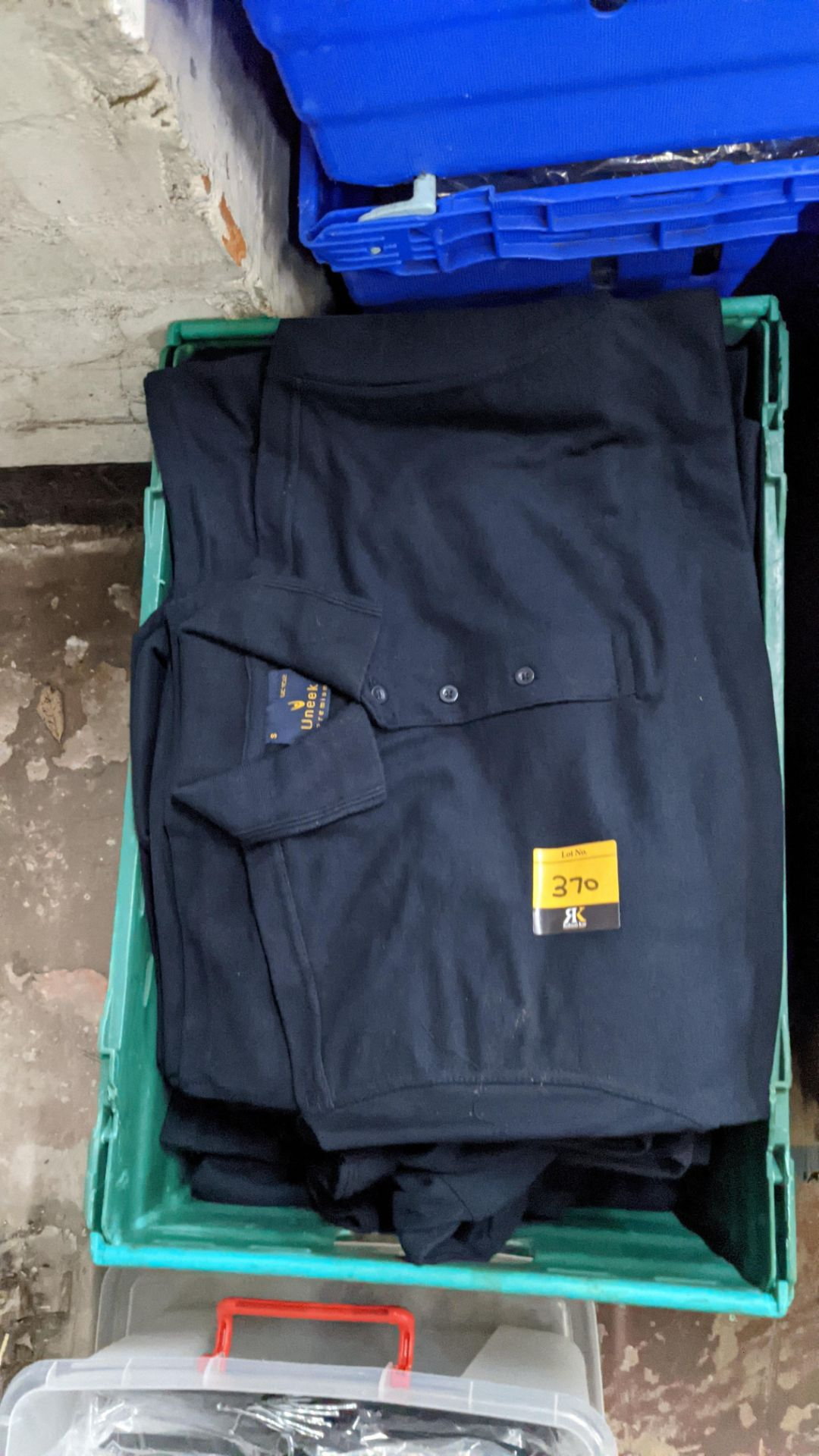 Approx 20 off Uneek navy polo shirts - Image 3 of 4