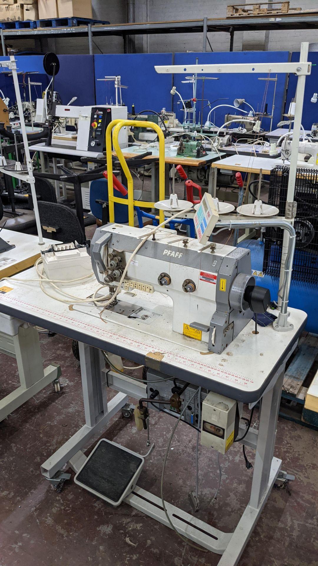 Pfaff twin needle sewing machine, model 422 - Image 3 of 17