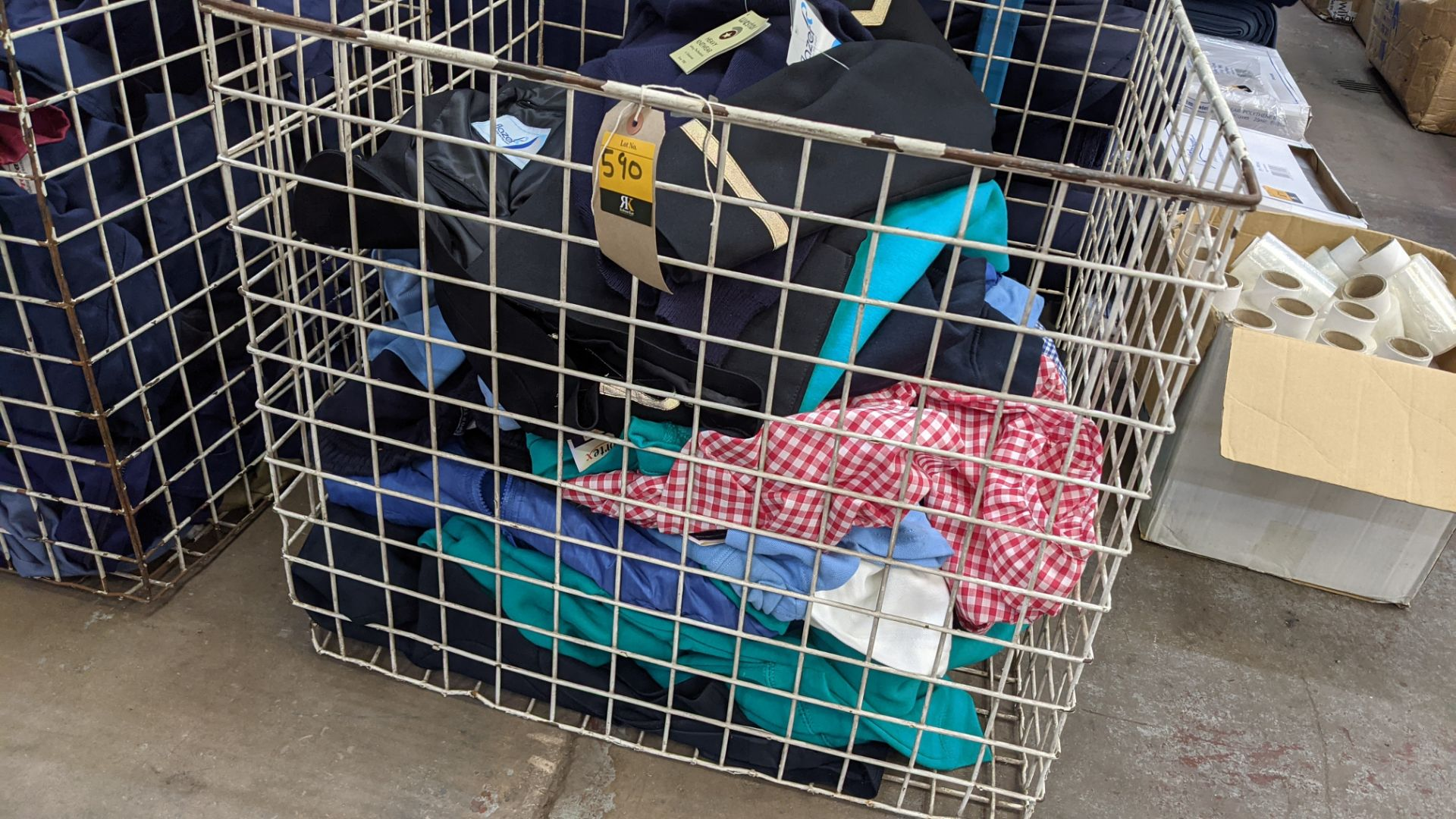 The contents of a cage of children's clothing, sweatshirts, t-shirts & more - Image 4 of 7