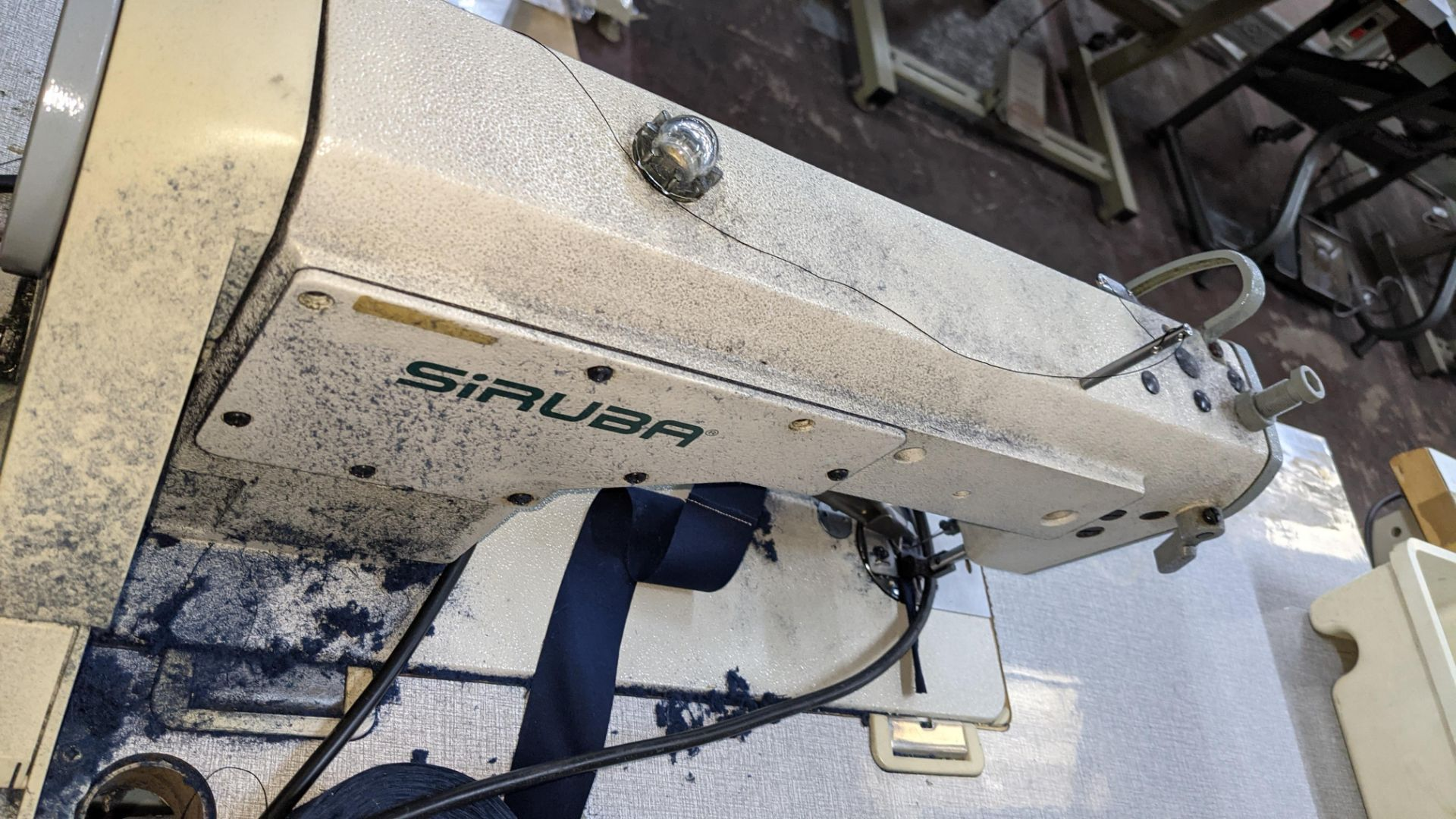 Siruba sewing machine, model L818D-M1, with edge band guide - Image 9 of 13