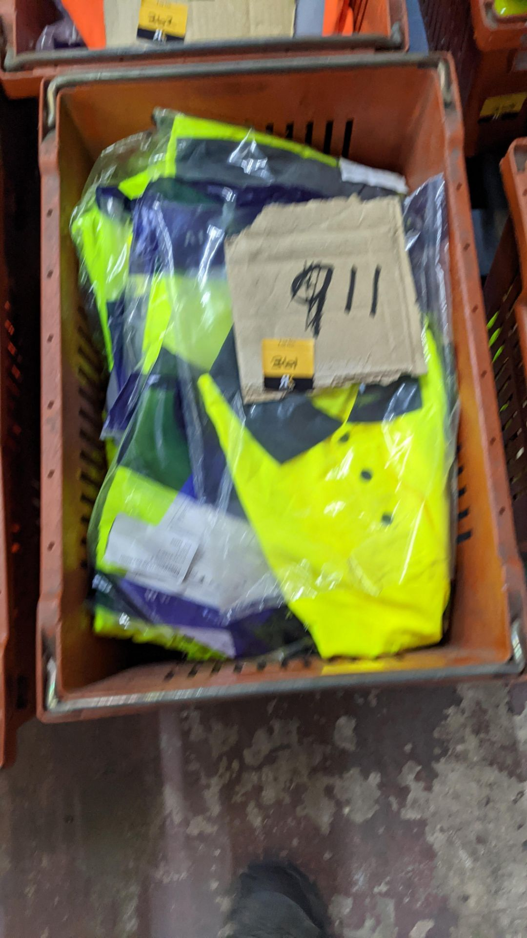 11 off hi-vis polo shirts (yellow) - Image 3 of 4