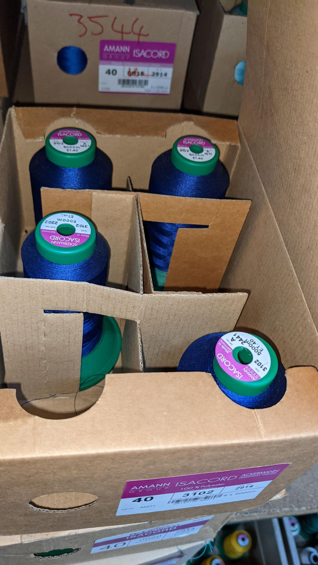 6 boxes of Ackermann & Amann Group Isacord polyester No. 40 embroidery thread - Image 5 of 6