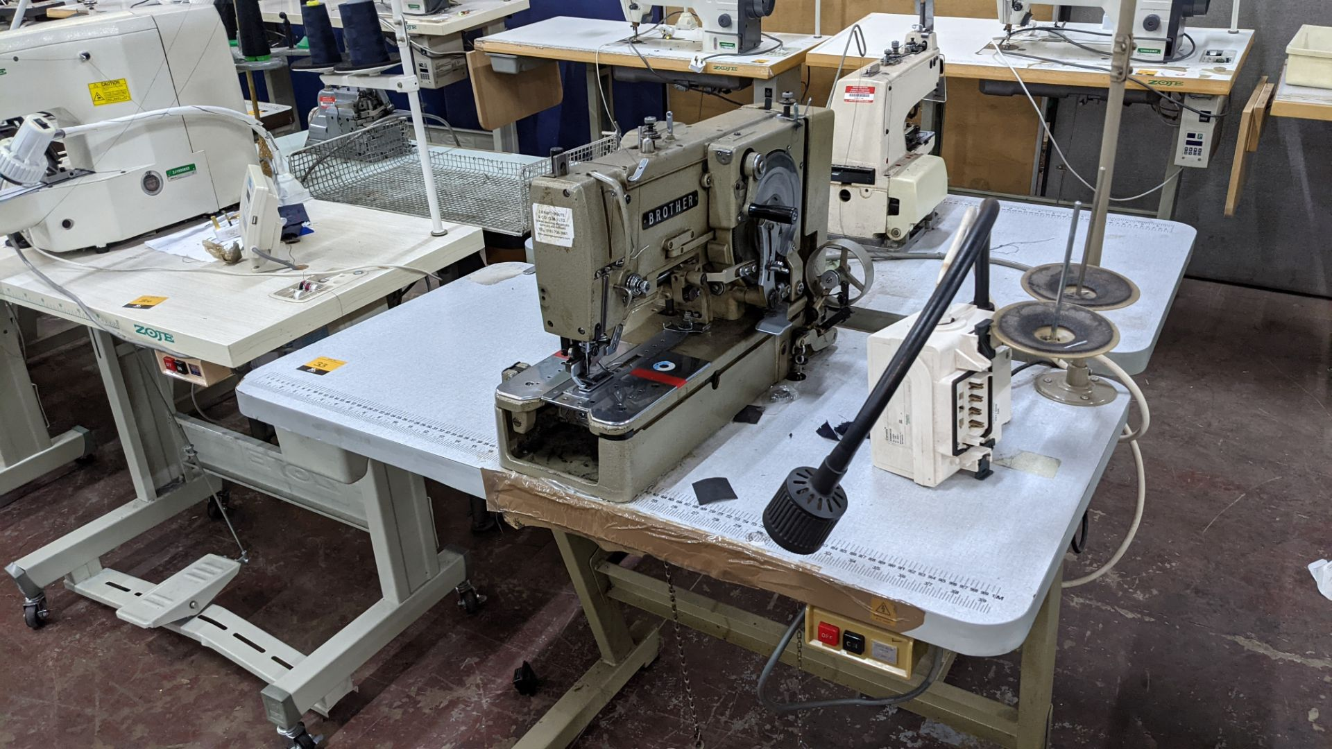 Brother button holer model LH4-B814-2 - Image 2 of 16