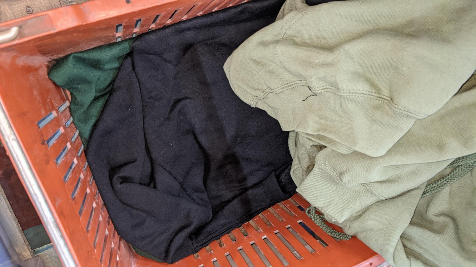 Approx 5 off assorted sweatshirts - Image 5 of 5