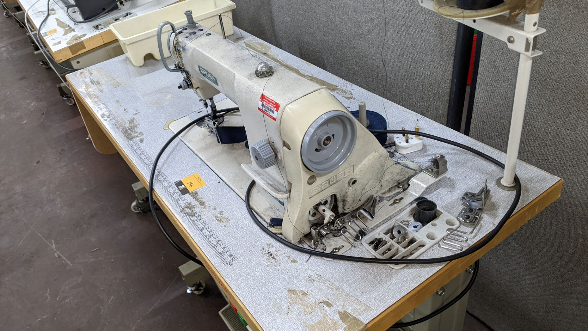 Siruba sewing machine, model L818D-M1, with edge band guide - Image 7 of 13