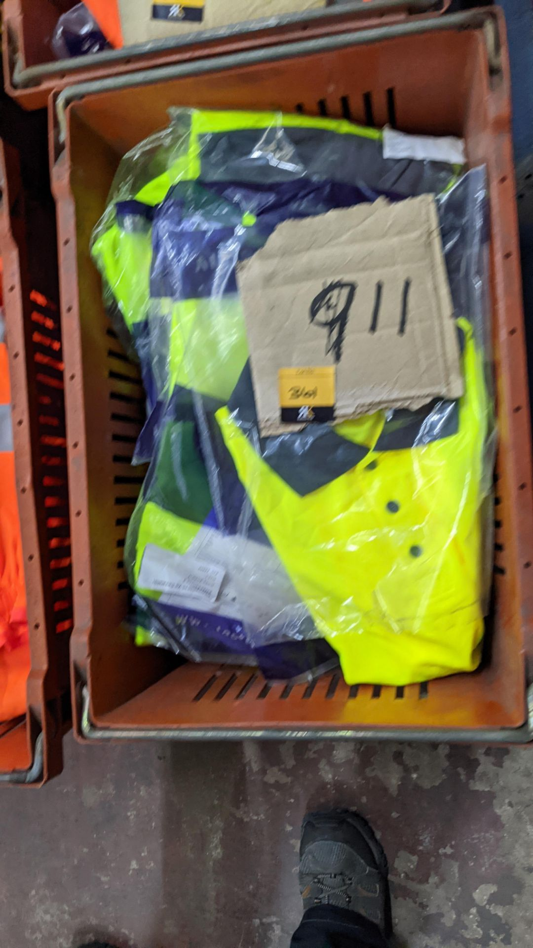 11 off hi-vis polo shirts (yellow) - Image 4 of 4