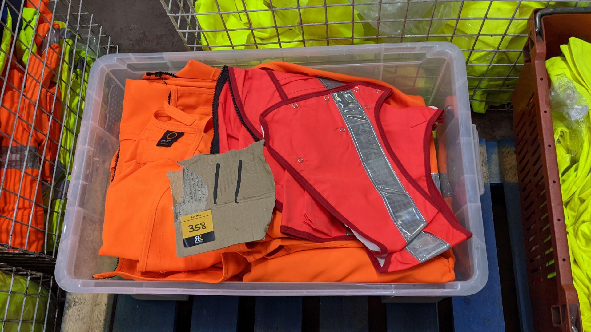 11 off assorted hi-vis garments - Image 4 of 4