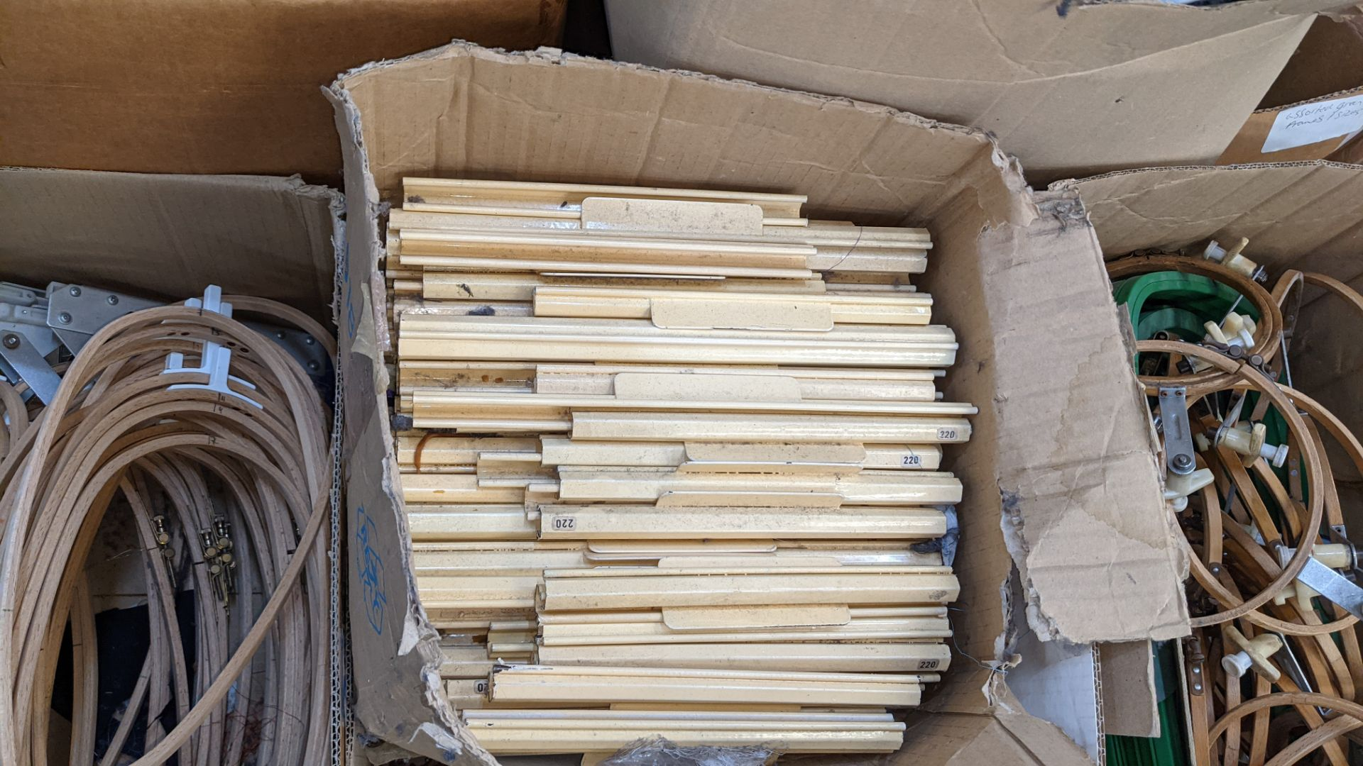 The contents of a pallet of assorted embroidery machine frames & similar - this lot consists of 7 as - Image 5 of 9