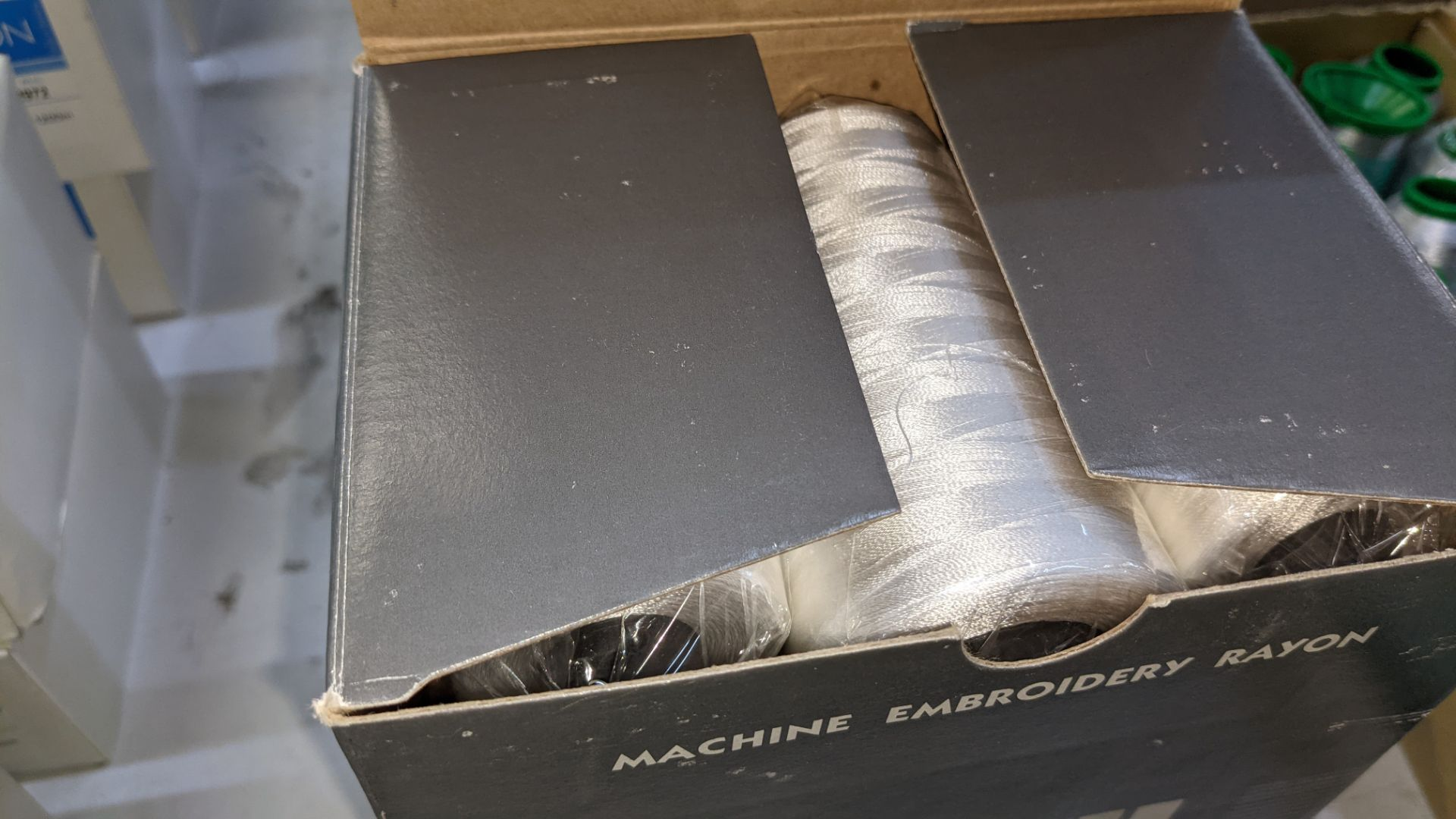 12 boxes of Ecofil rayon machine embroidery thread, all in white - Image 6 of 8