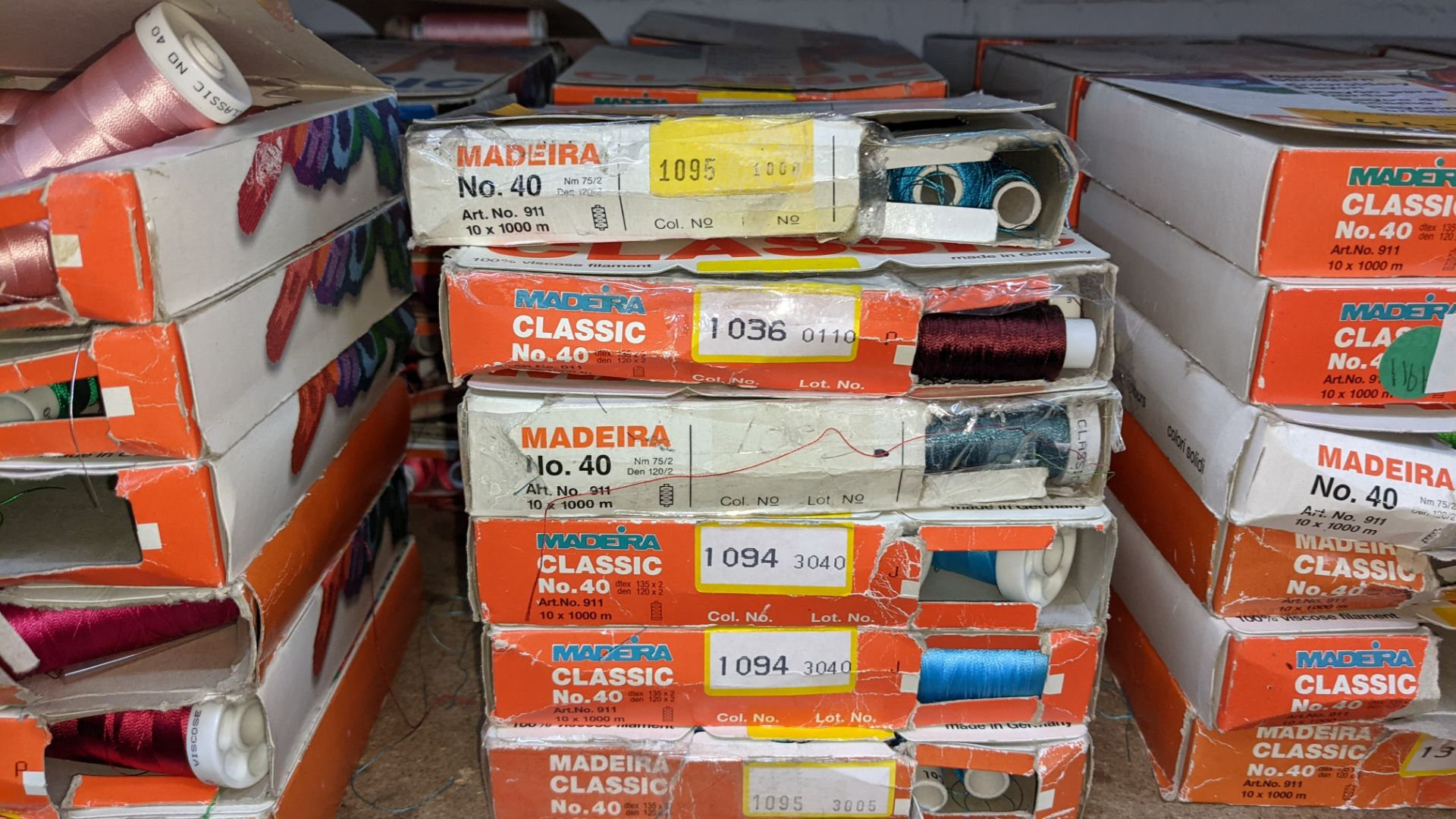 18 assorted boxes of Madeira Classic No. 40 embroidery rayon thread - Image 3 of 8