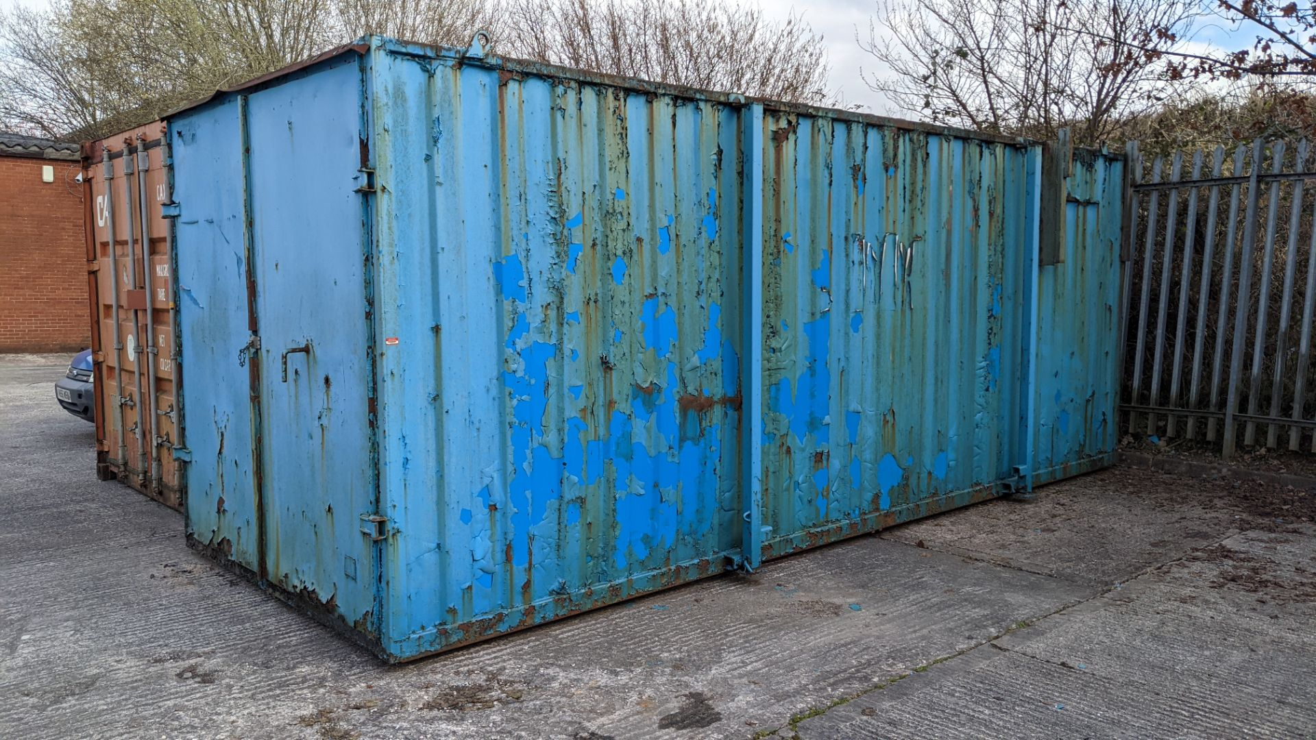 Blue metal container with jack legs & doors at one end. Max external dimensions (excluding legs) ap - Image 2 of 21