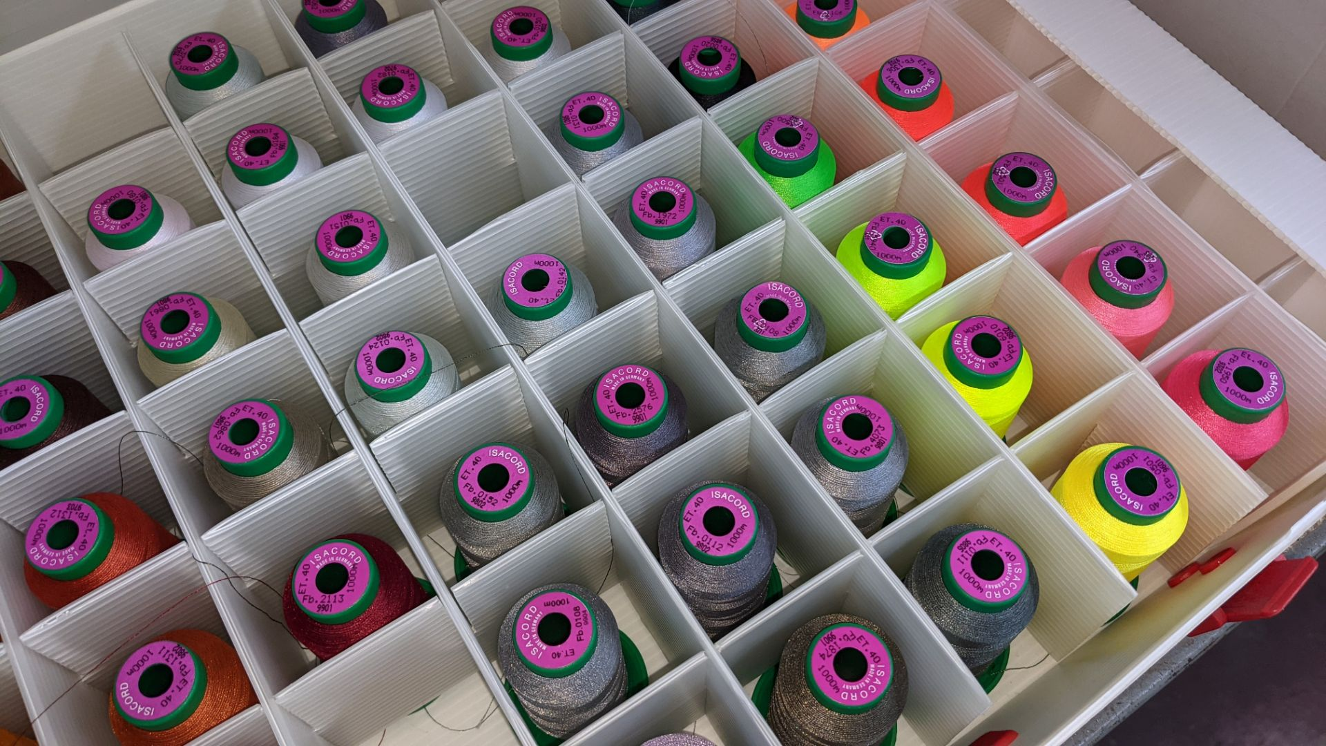 5 large cases of Ackermann Isacord thread - Image 4 of 13