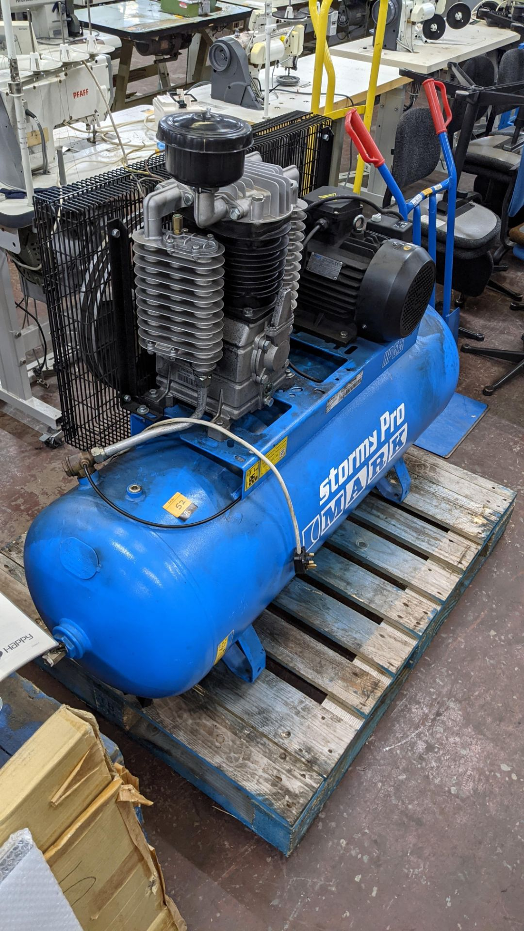 Mark Stormy Pro all-in-one compressor comprising horizontal welded air receiver with compressor equi - Image 9 of 17