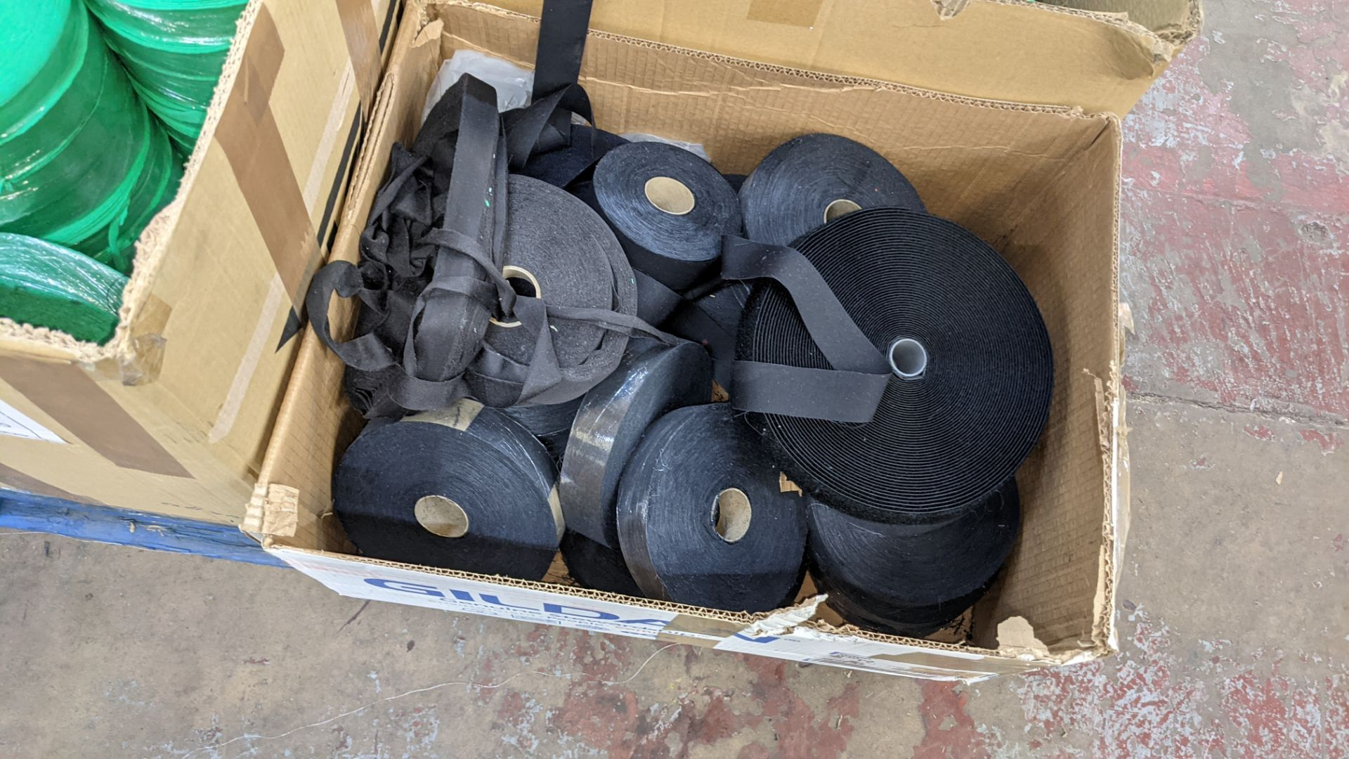 9 assorted boxes of tape, zips & other materials - Image 9 of 11