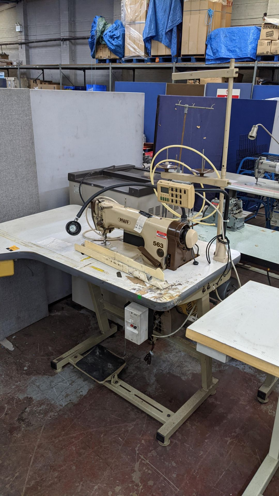 Pfaff model 563 sewing machine with Efka modular V720 digital controller - Image 4 of 13