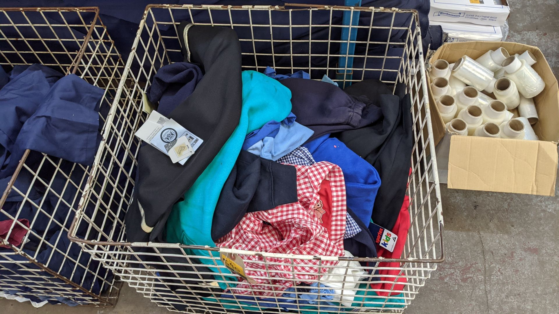 The contents of a cage of children's clothing, sweatshirts, t-shirts & more - Image 7 of 7