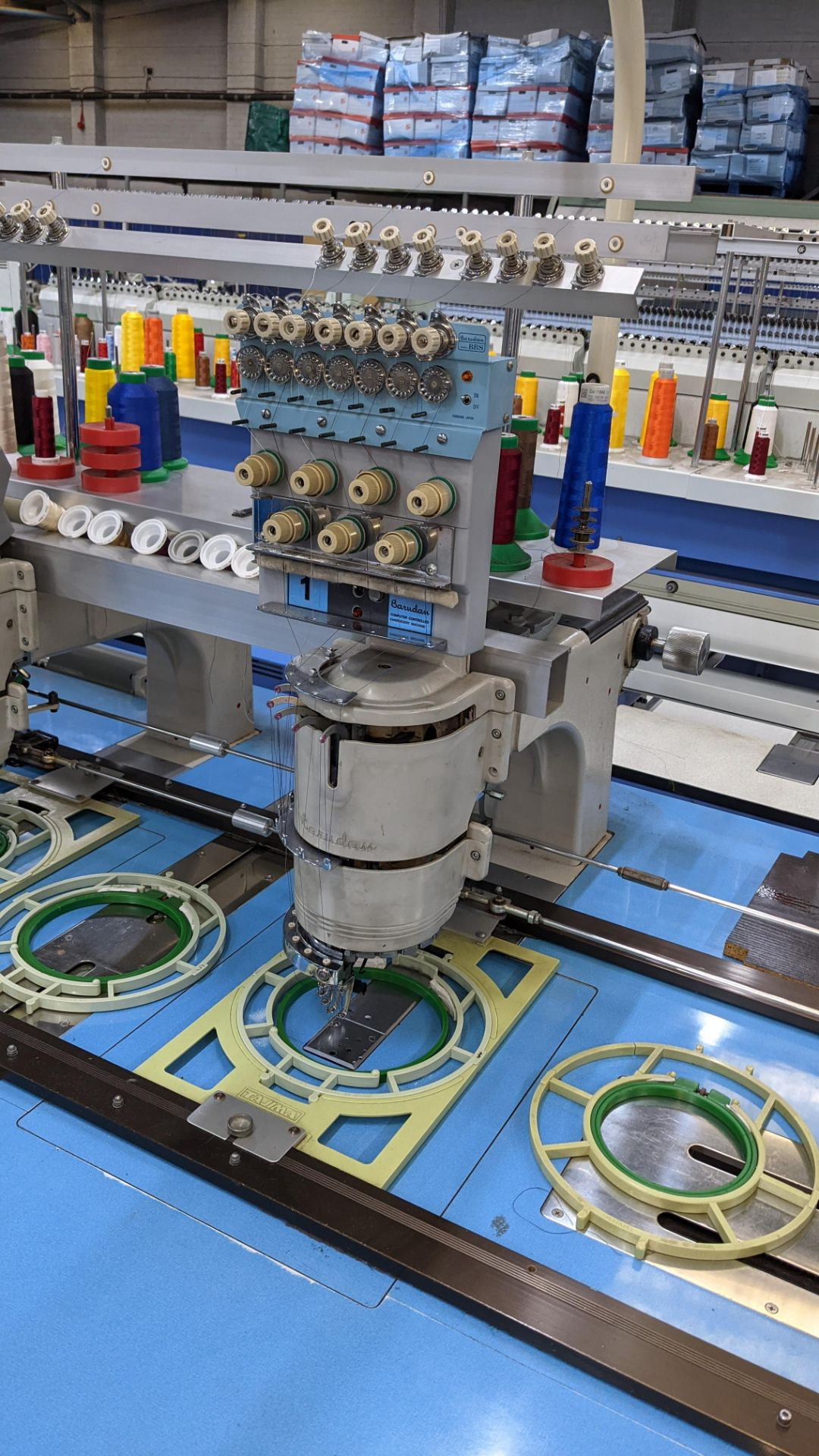 Barudan 4 head embroidery machine, model BEAT 804TYS, 7 needles per head - Image 10 of 24