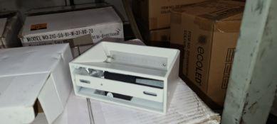 20 off small Brigg wall light (bi-directional), colour white (RAL9016), model ZIG-SQ-BL-W-27-80-20