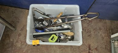 Plastic crate & contents of assorted kitchen utensils & related items