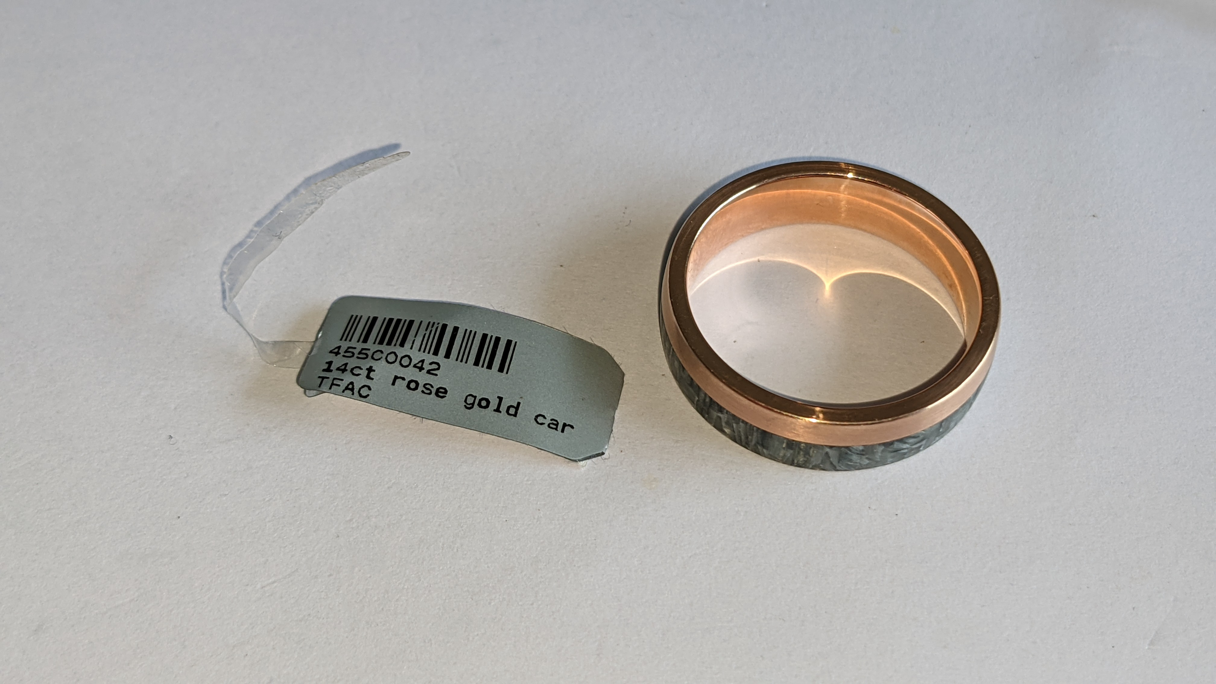 Carbon & 14ct rose gold ring RRP £705 - Image 9 of 13