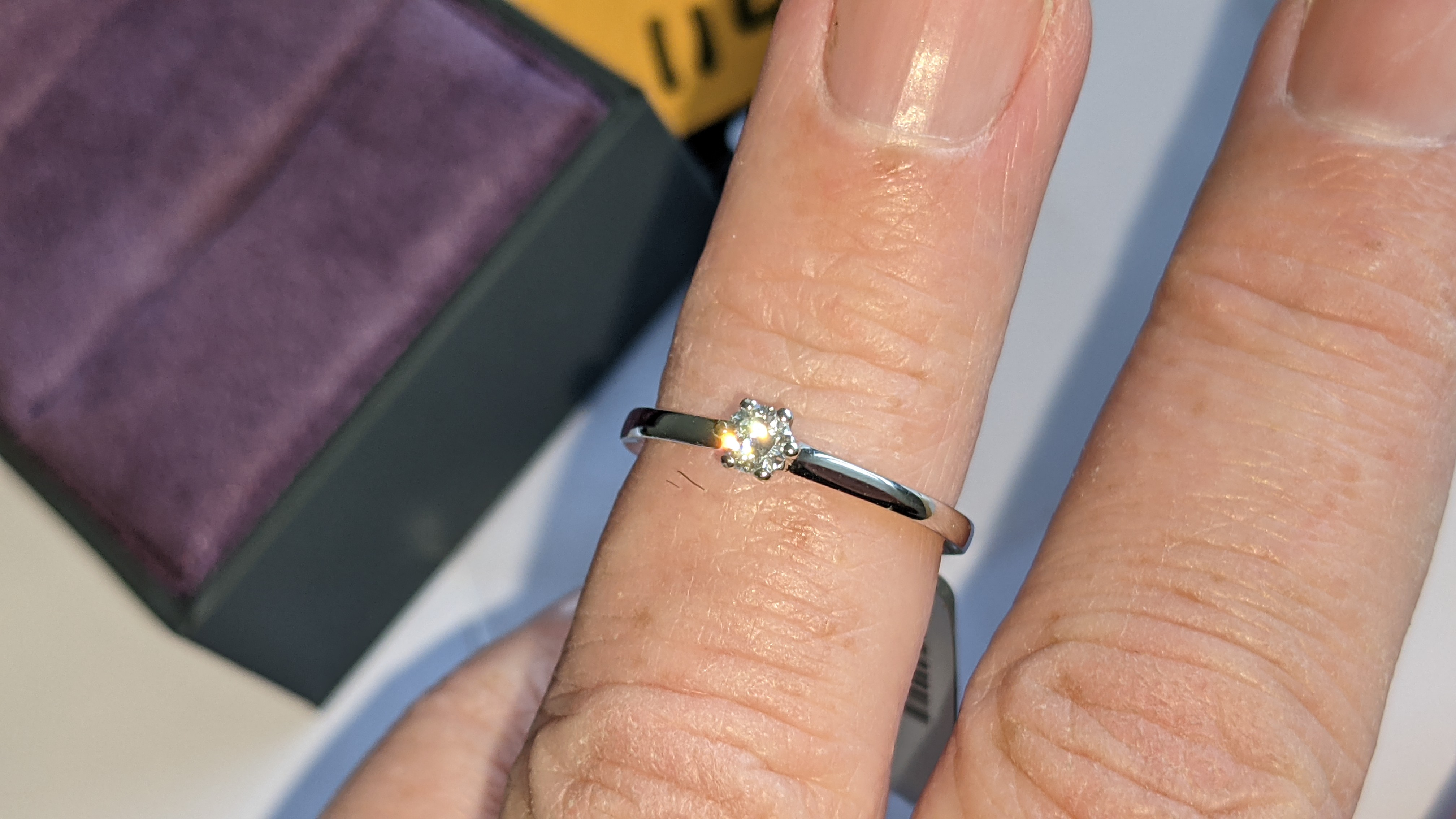 18ct white gold ring with 0.20ct G/Si brilliant cut diamond RRP £1,152 - Image 15 of 16
