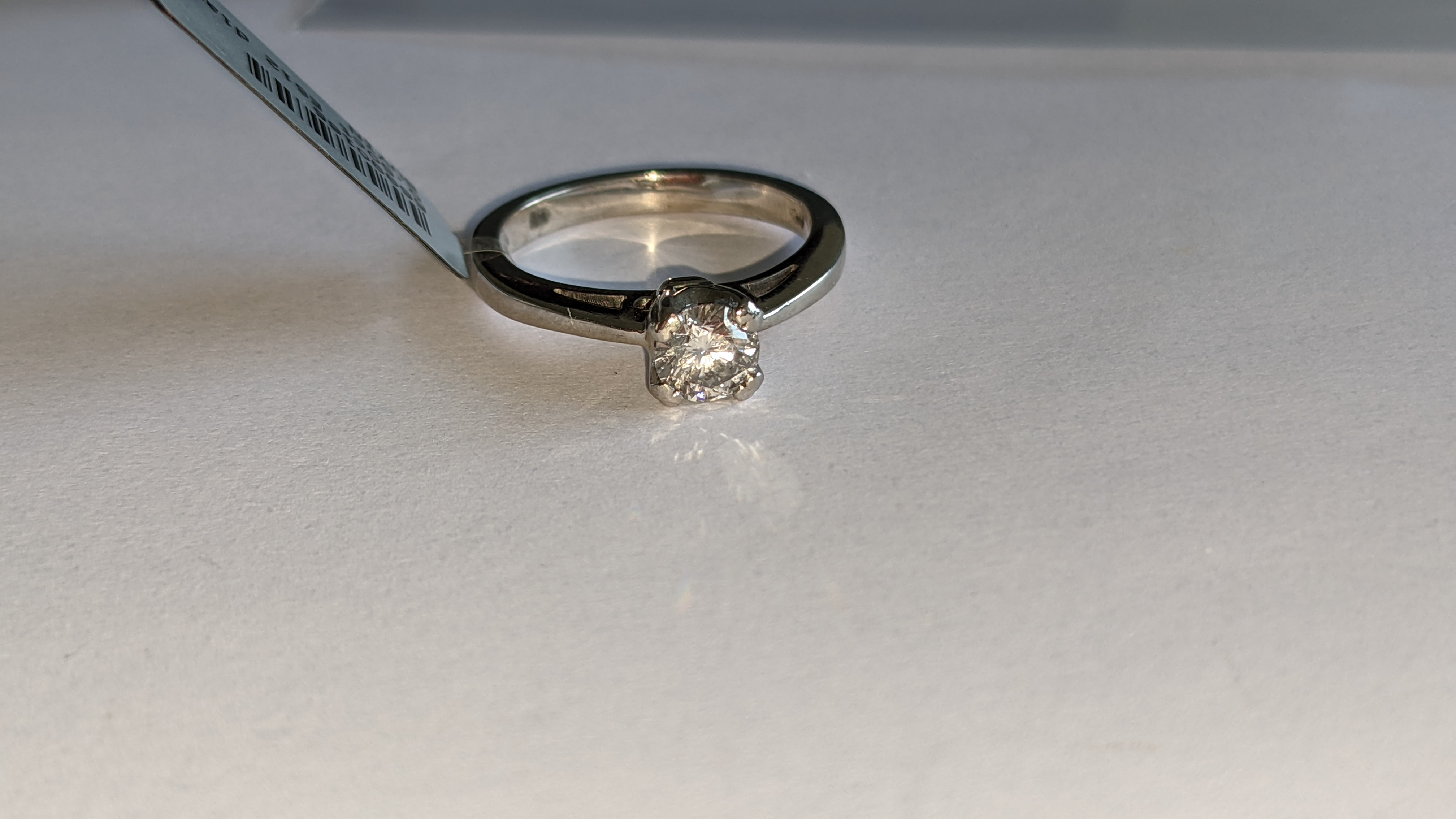 Platinum 950 ring with 0.50ct diamond. Includes diamond report/certification indicating the central - Image 8 of 25