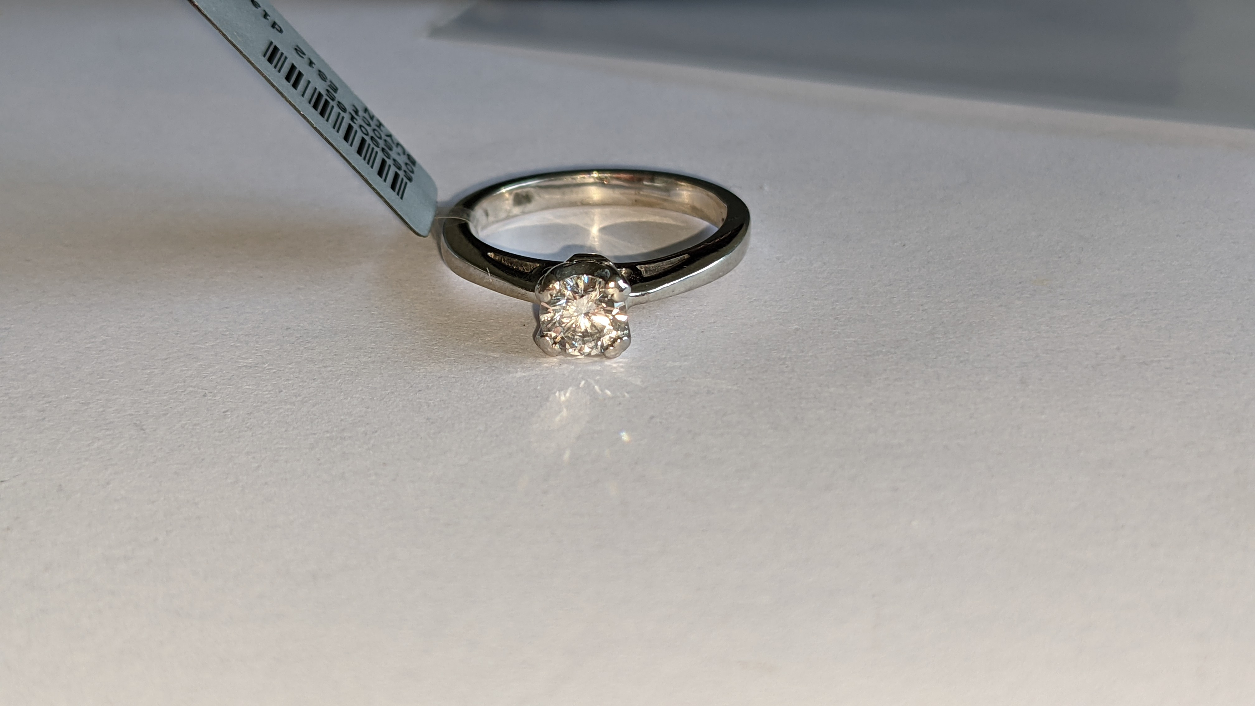Platinum 950 ring with 0.50ct diamond. Includes diamond report/certification indicating the central - Image 7 of 25