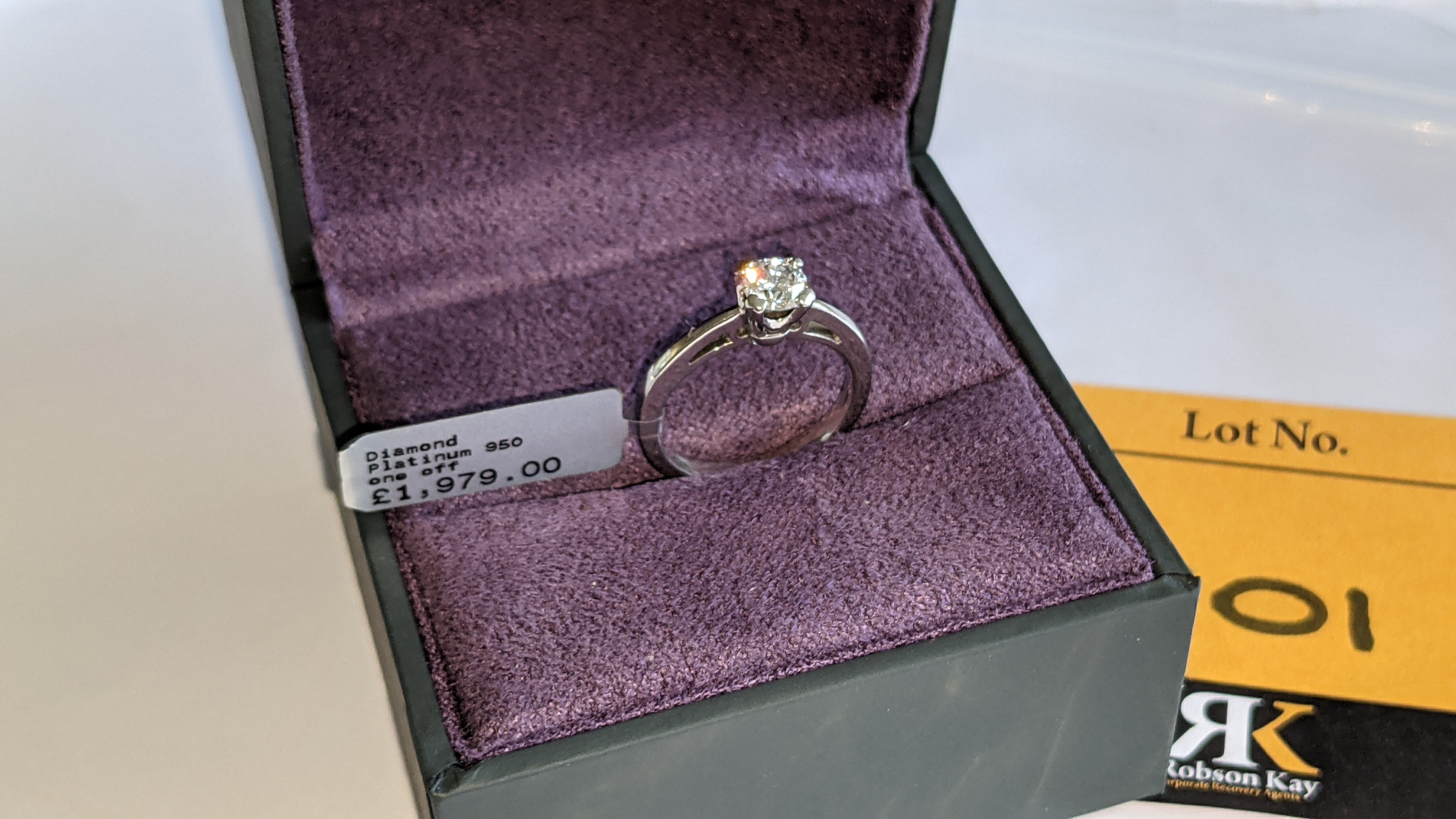 Platinum 950 ring with 0.50ct diamond. Includes diamond report/certification indicating the central - Image 2 of 25