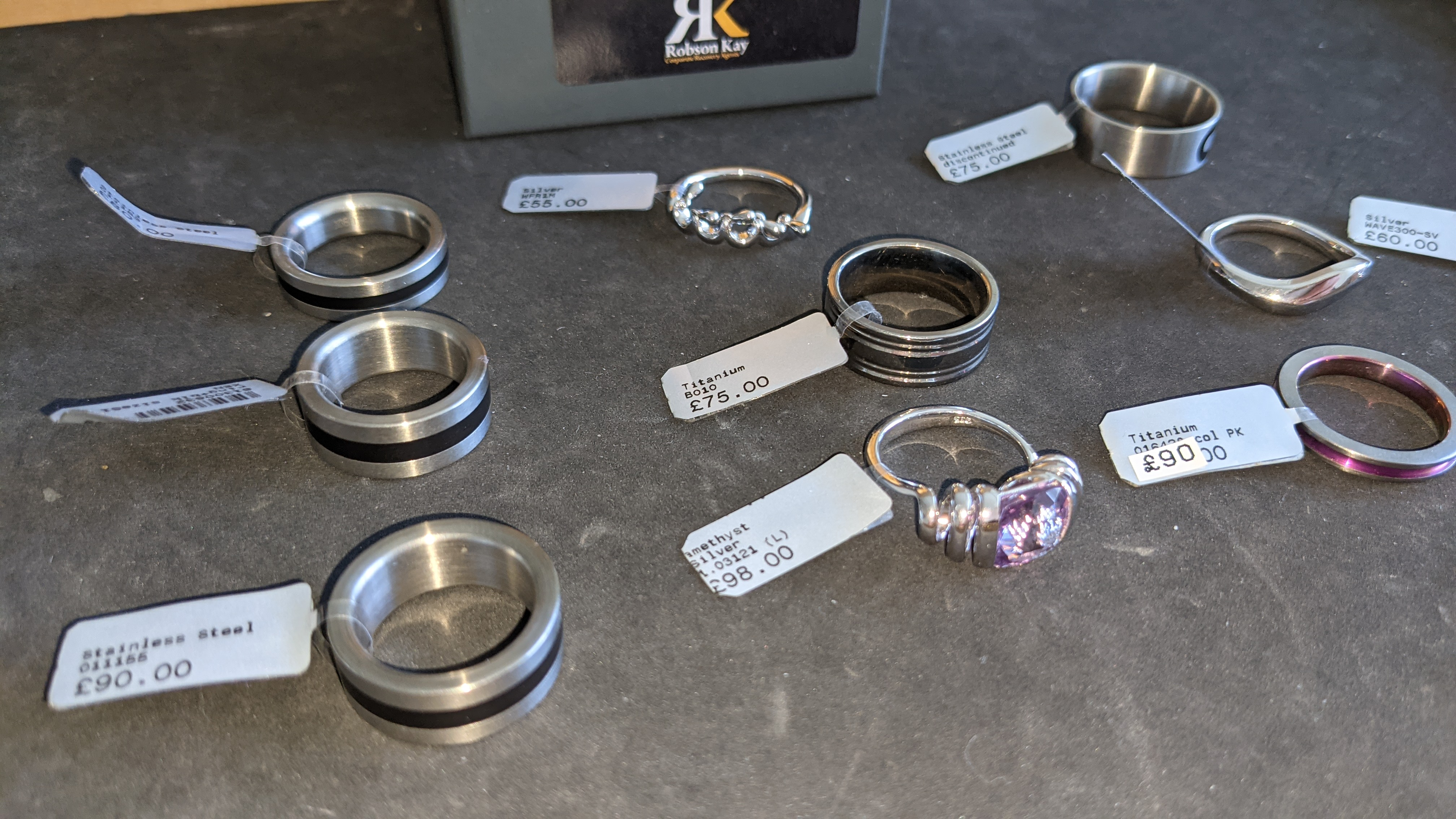 10 off assorted rings in a variety of styles, colours & finishes with RRPs from £55 - £98 per ring. - Image 4 of 13
