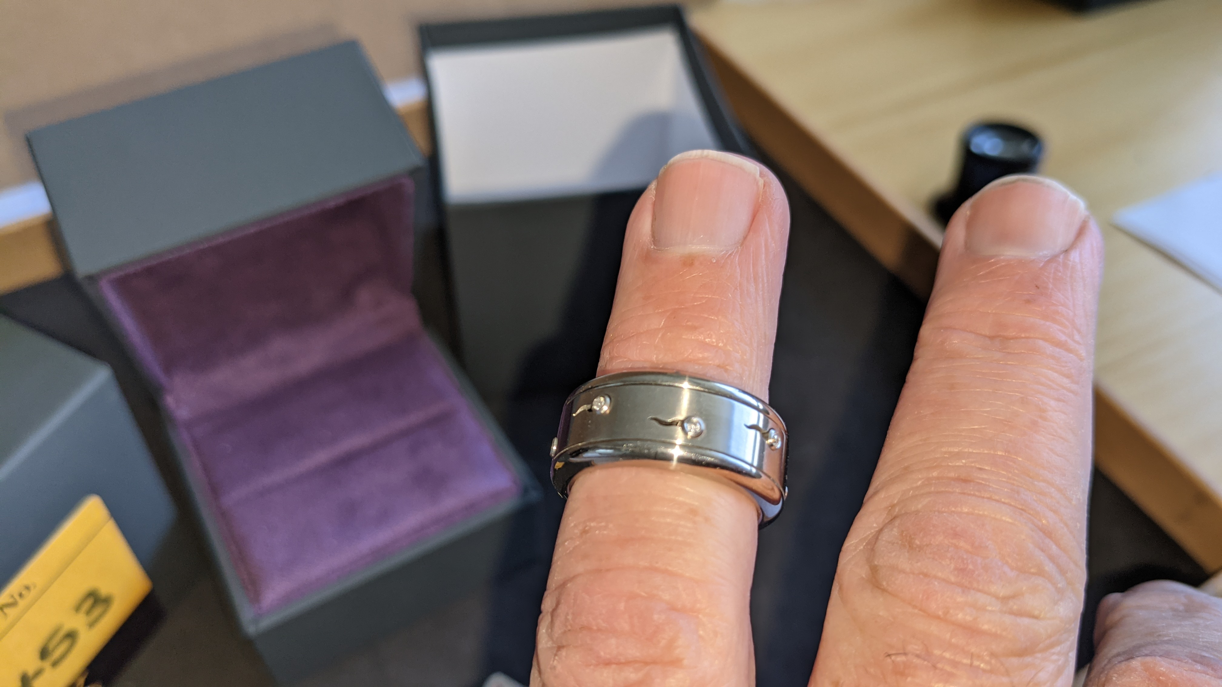 Stainless steel & diamond spin ring RRP £455 - Image 11 of 13