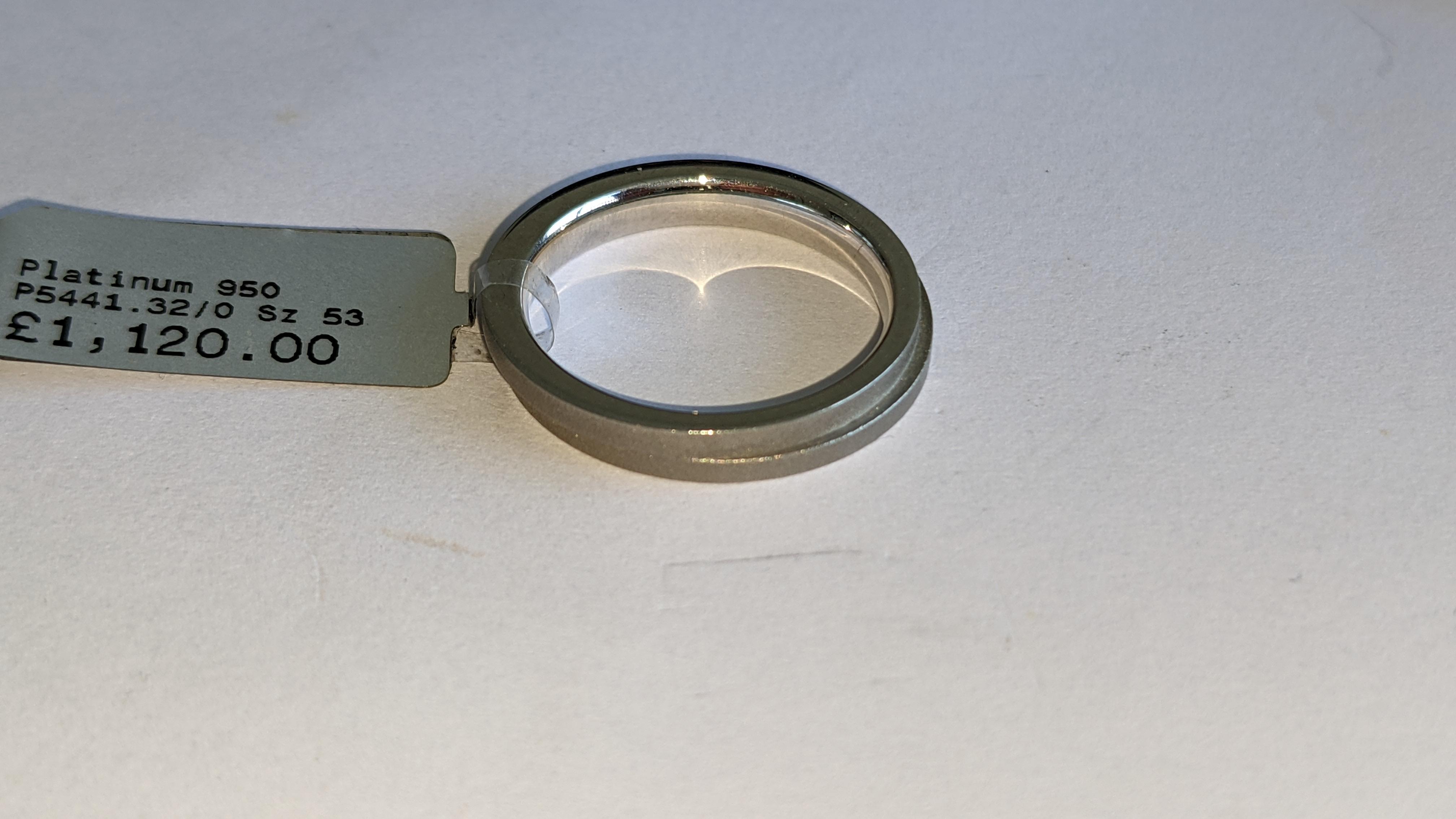 Platinum 950 wedding ring. RRP £1,120 - Image 7 of 13
