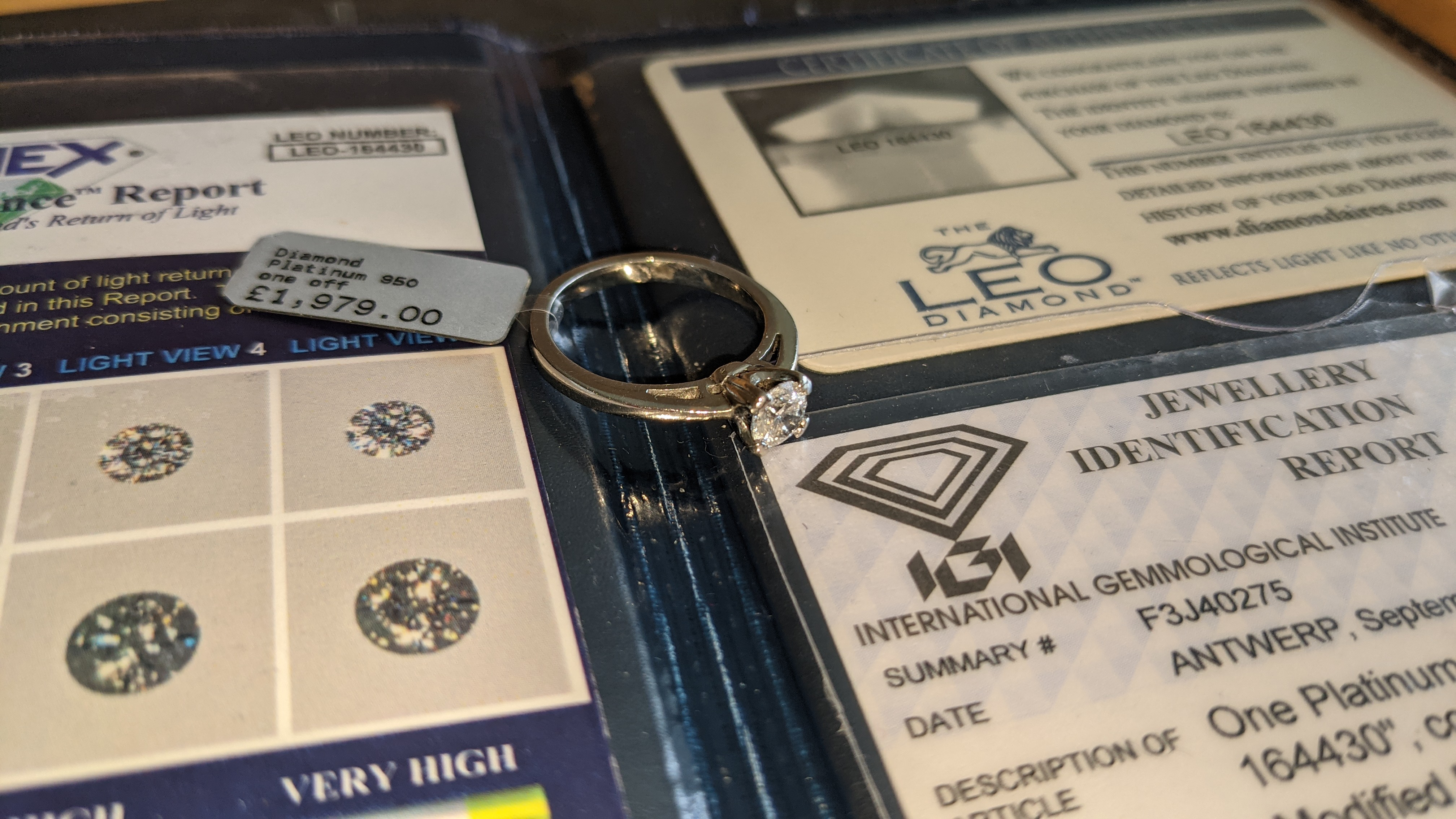Platinum 950 ring with 0.50ct diamond. Includes diamond report/certification indicating the central - Image 21 of 25