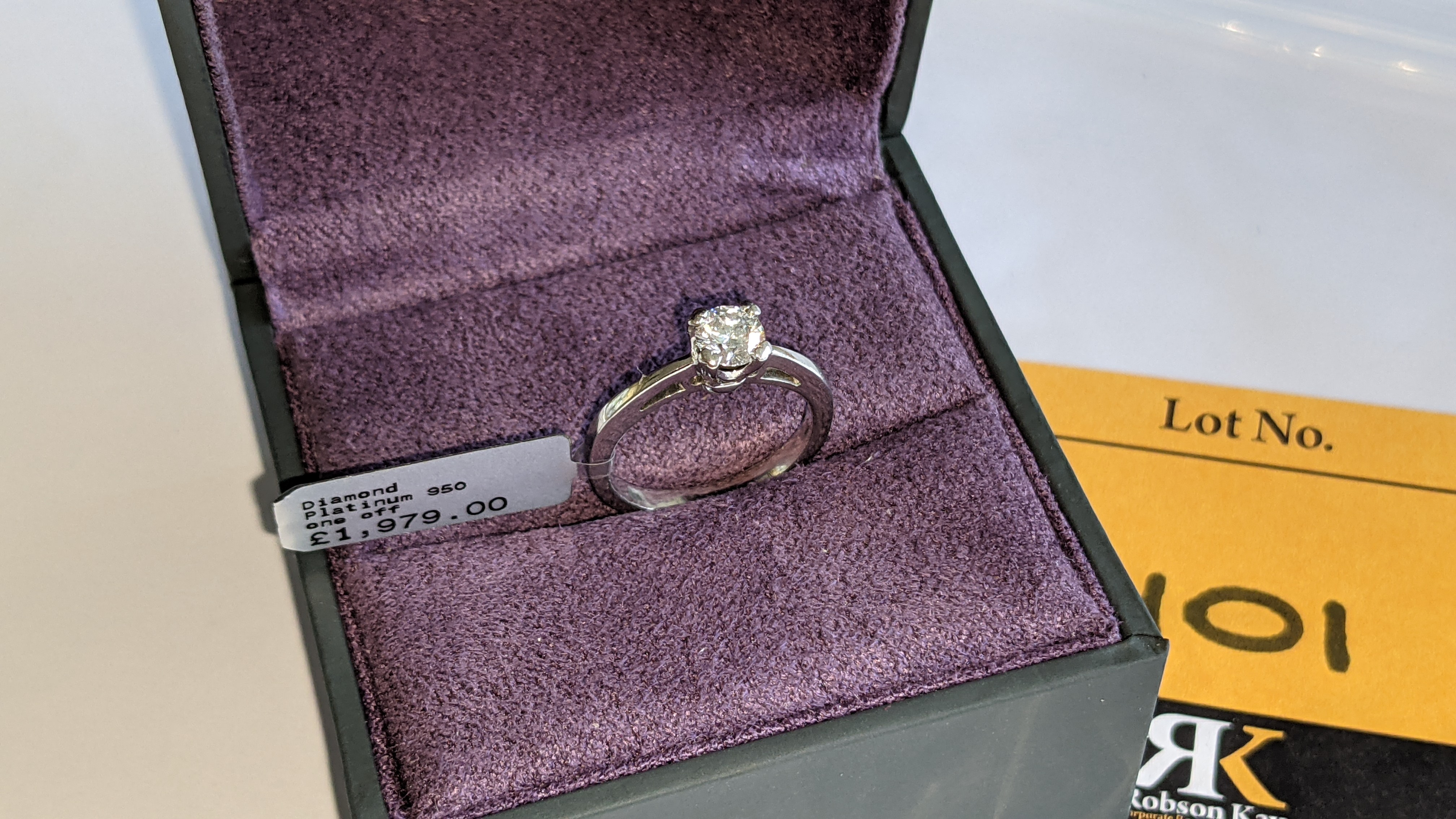 Platinum 950 ring with 0.50ct diamond. Includes diamond report/certification indicating the central - Image 3 of 25