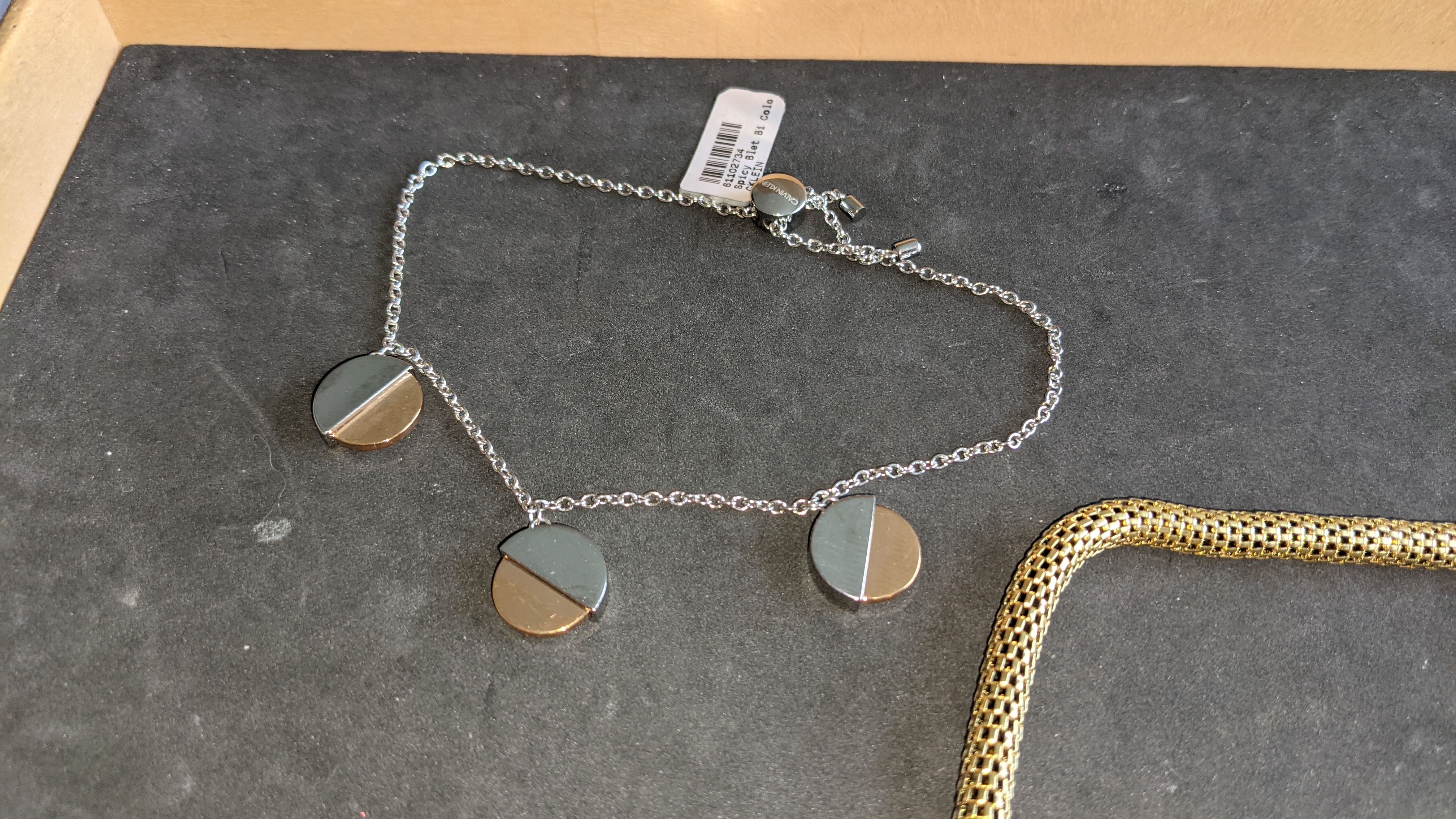 3 pieces of Calvin Klein jewellery comprising 2 off long necklaces each with an RRP of £115 plus two - Image 7 of 13