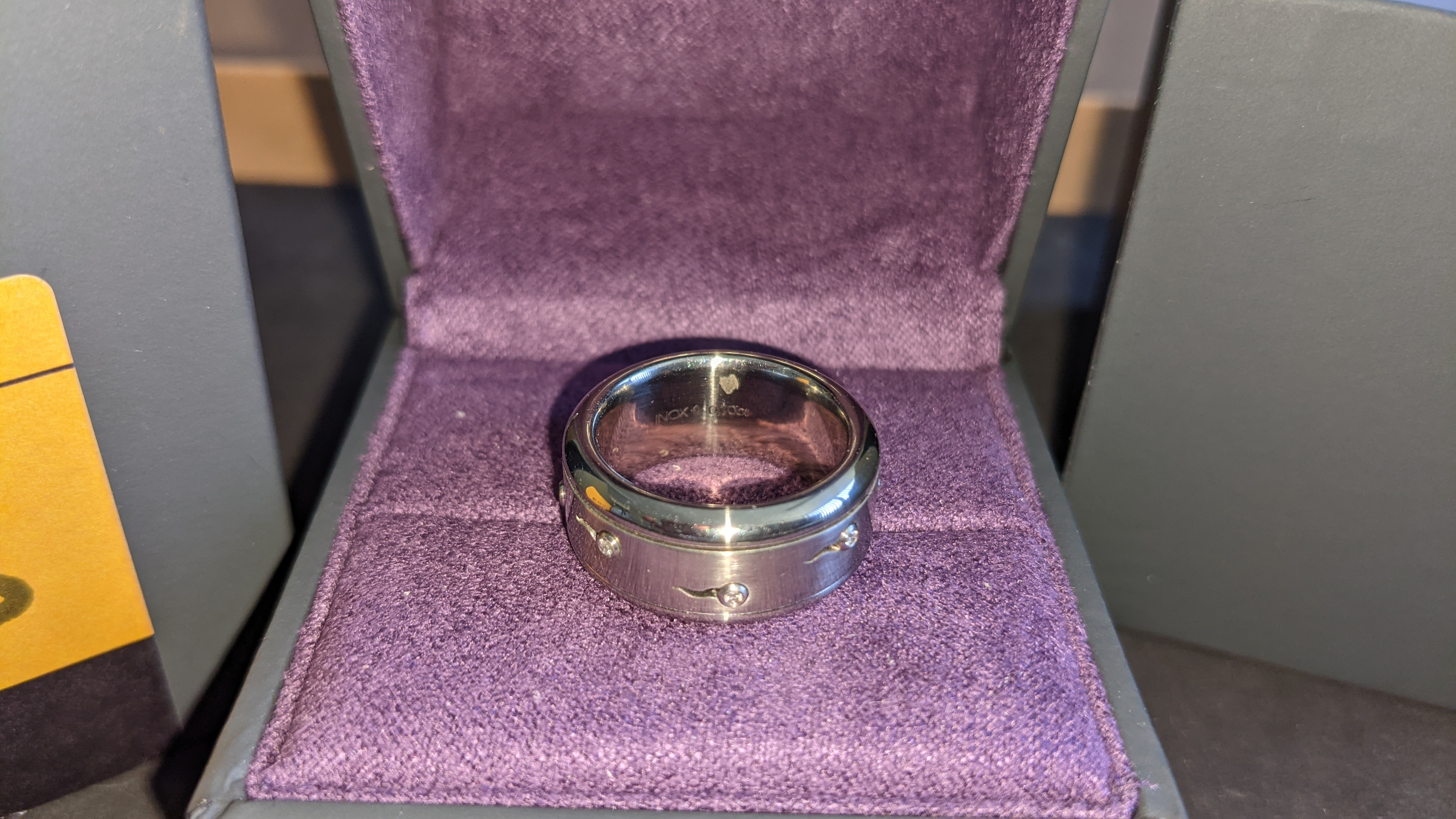 Stainless steel & diamond spin ring RRP £455 - Image 6 of 13