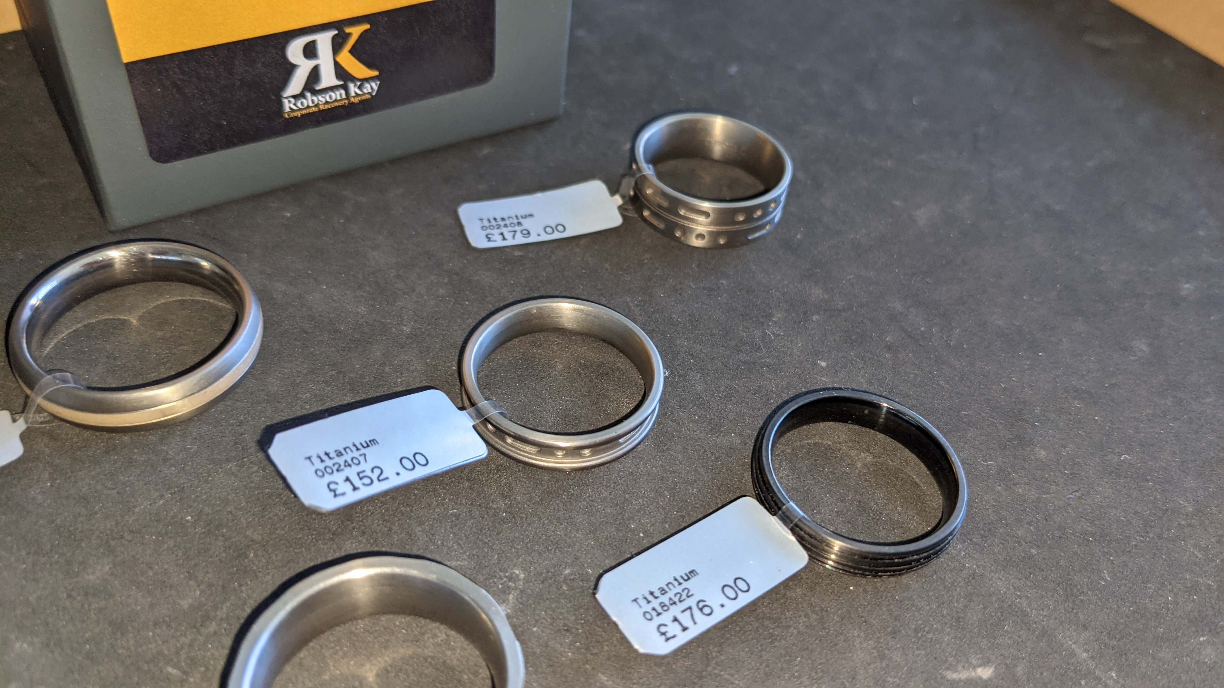 5 off assorted titanium rings with RRP from £109 - £179 per ring. Total RRP is £785 - Image 11 of 13