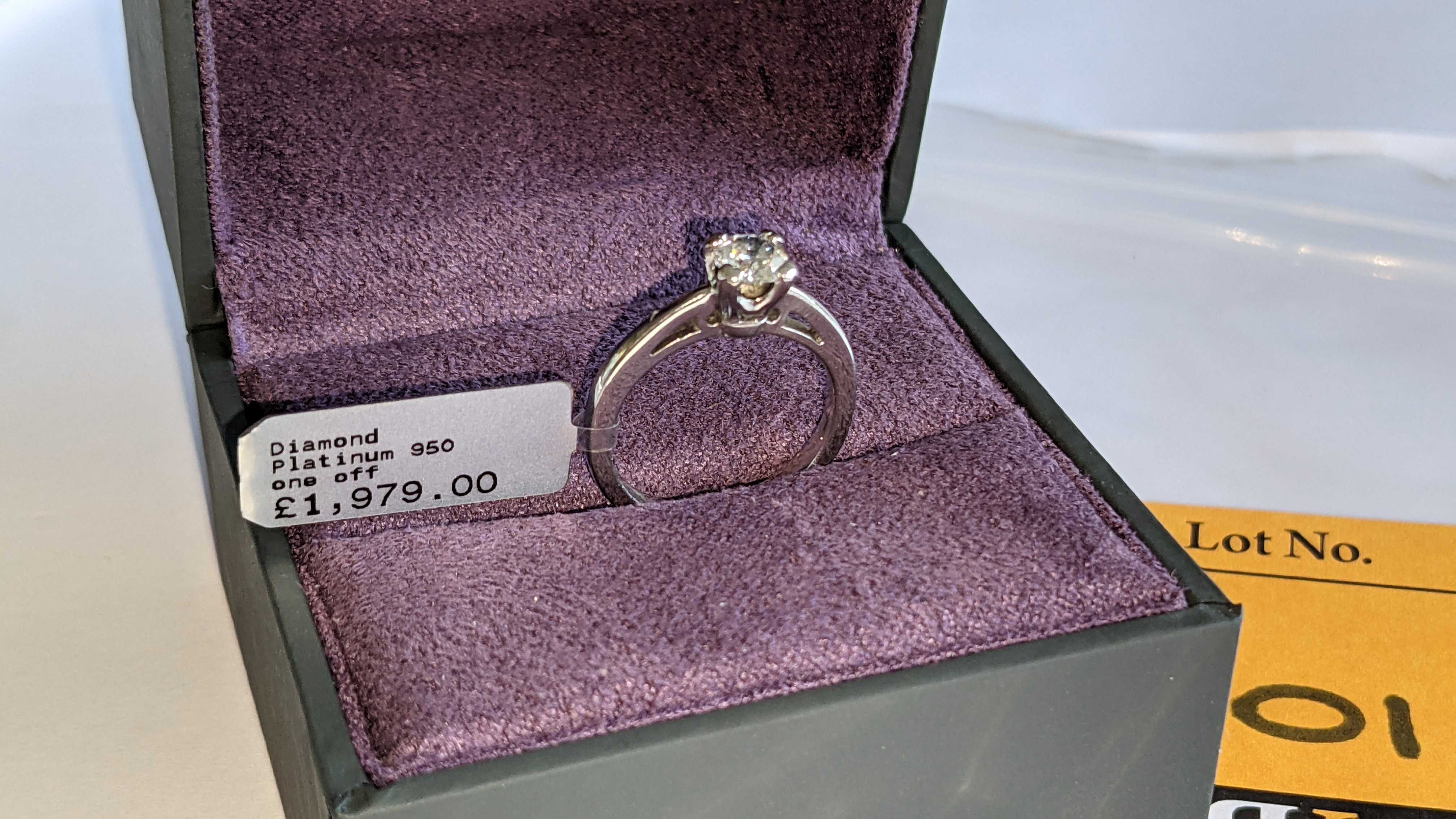 Platinum 950 ring with 0.50ct diamond. Includes diamond report/certification indicating the central - Image 4 of 25