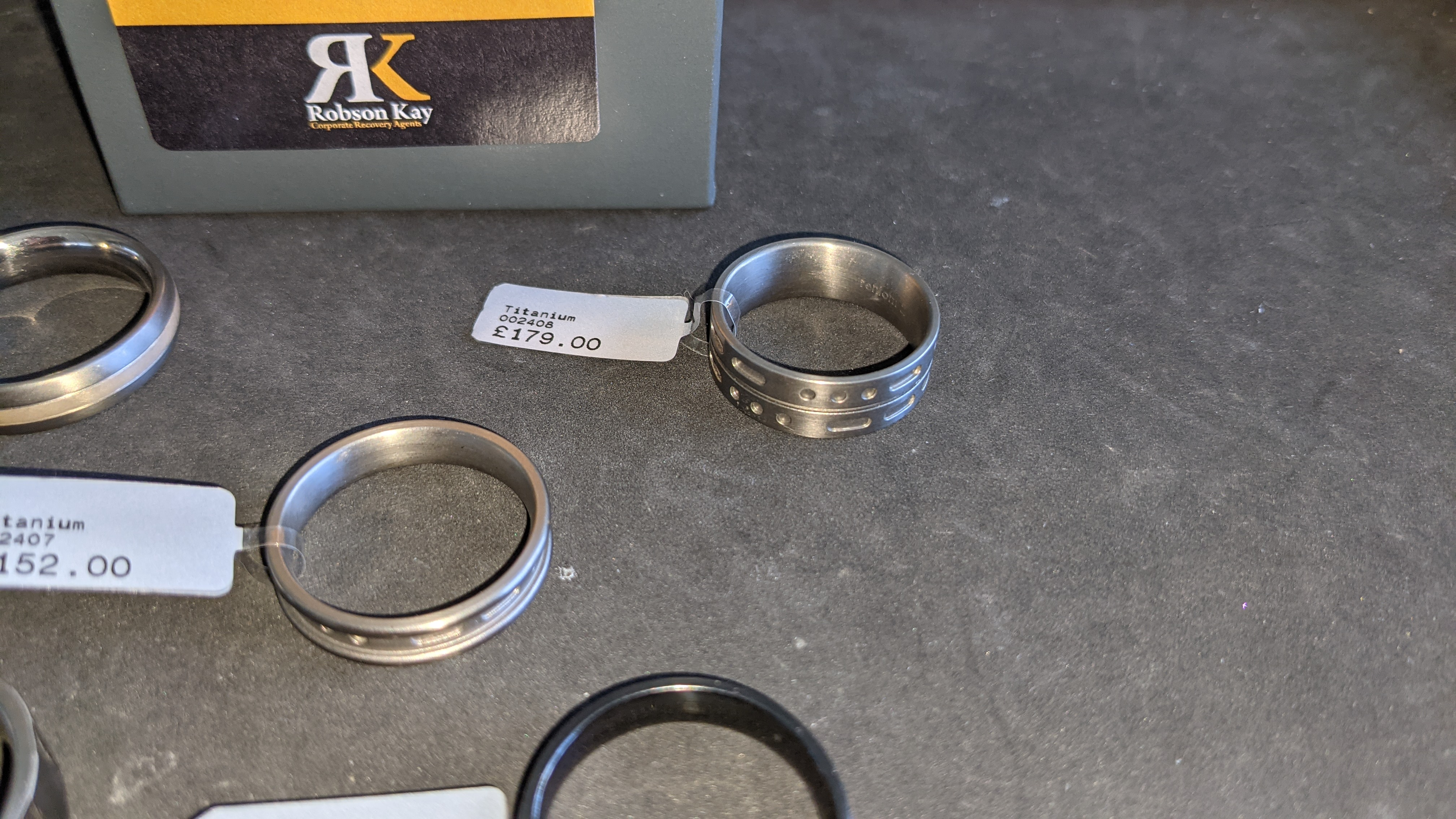 5 off assorted titanium rings with RRP from £109 - £179 per ring. Total RRP is £785 - Image 10 of 13