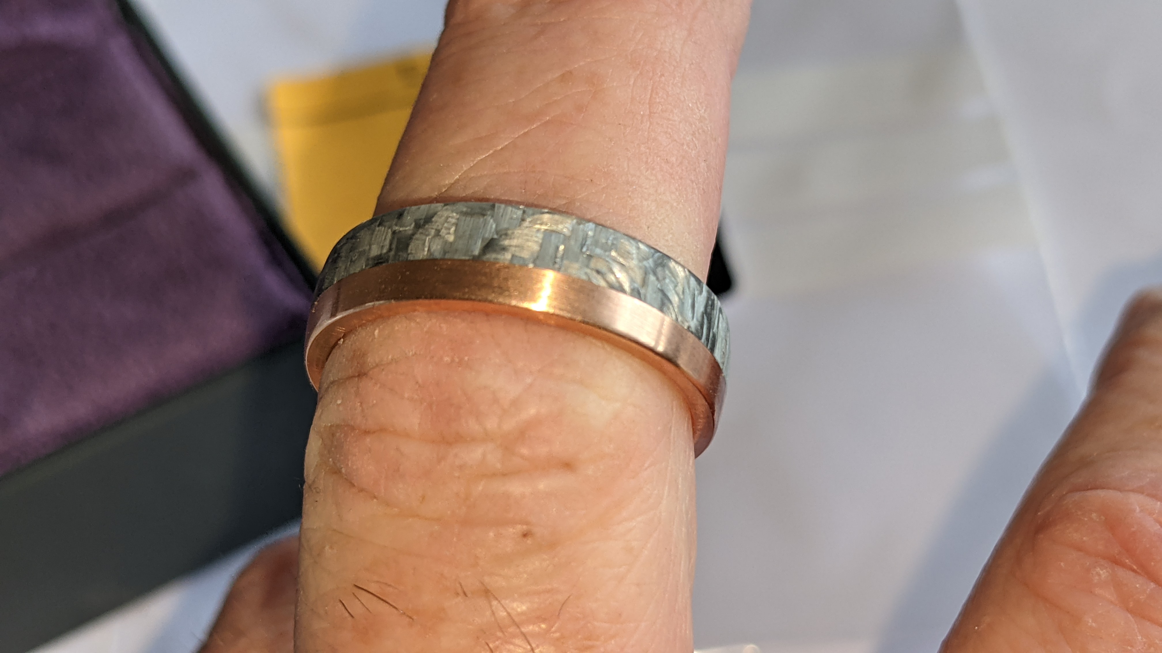 Carbon & 14ct rose gold ring RRP £705 - Image 11 of 13